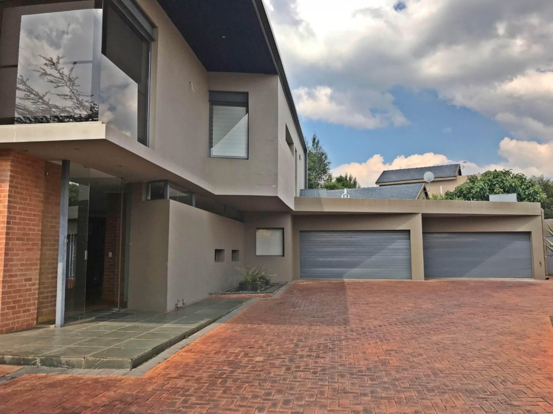 5 BedroomHouse To Rent In Midstream Estate