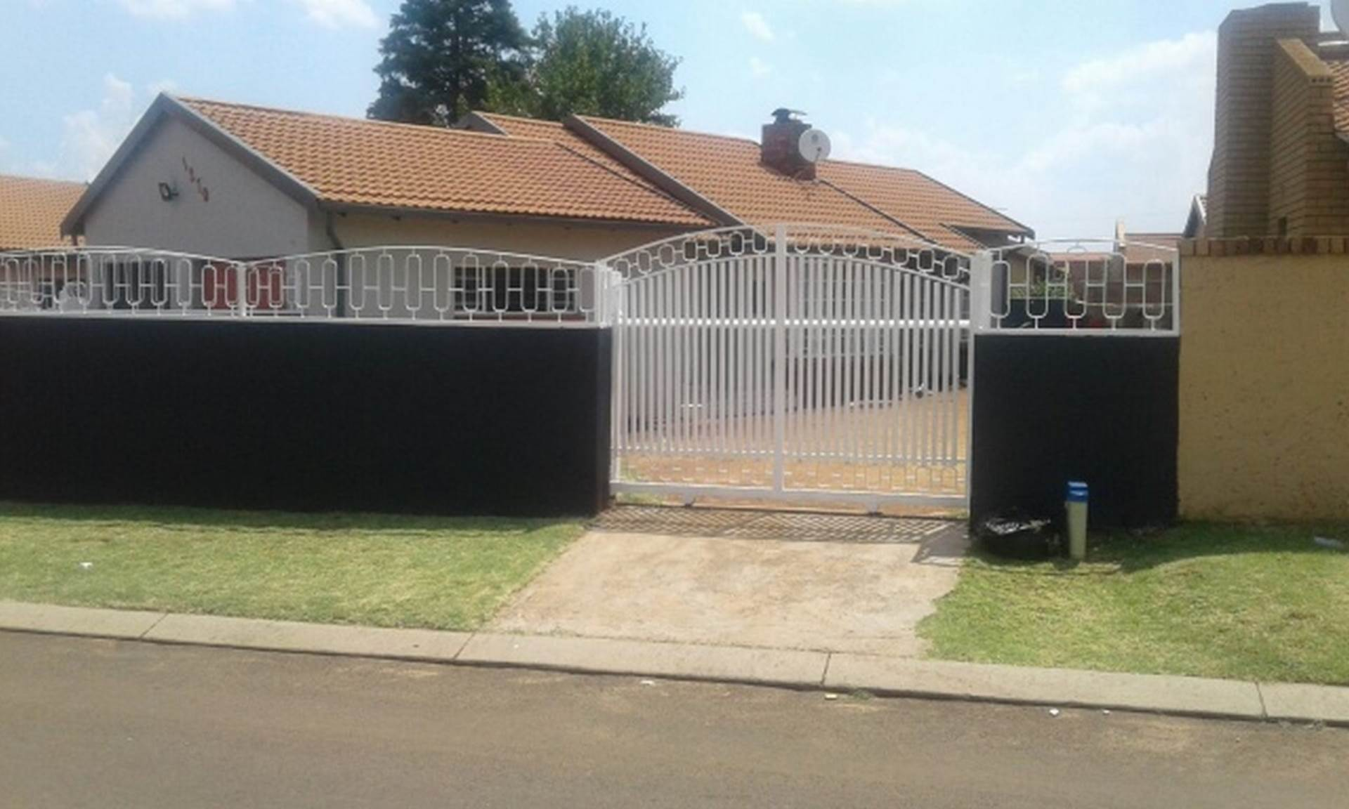 3 BedroomHouse For Sale In Spruit View Ext 1