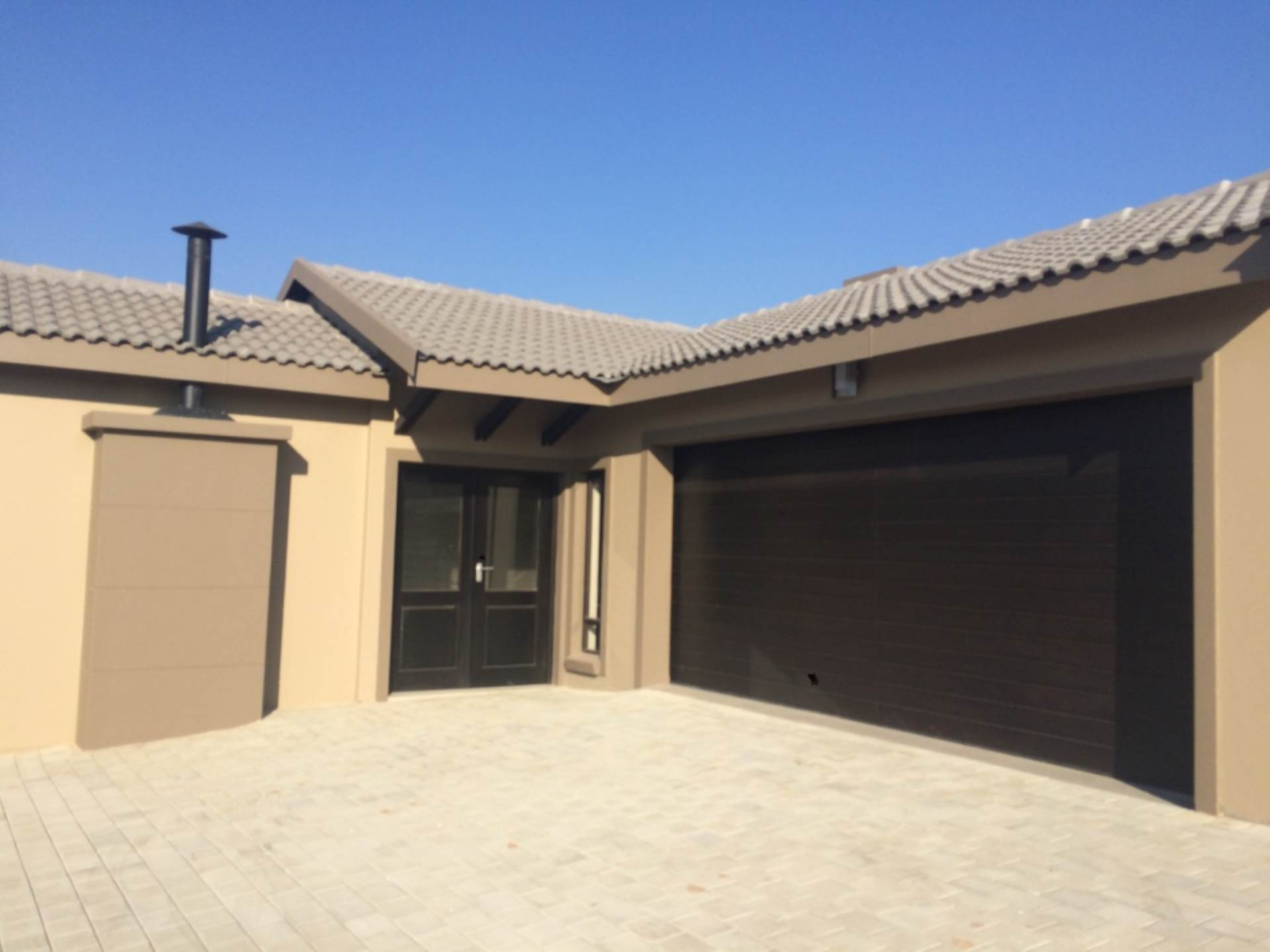 3 BedroomCluster To Rent In Barbeque Downs
