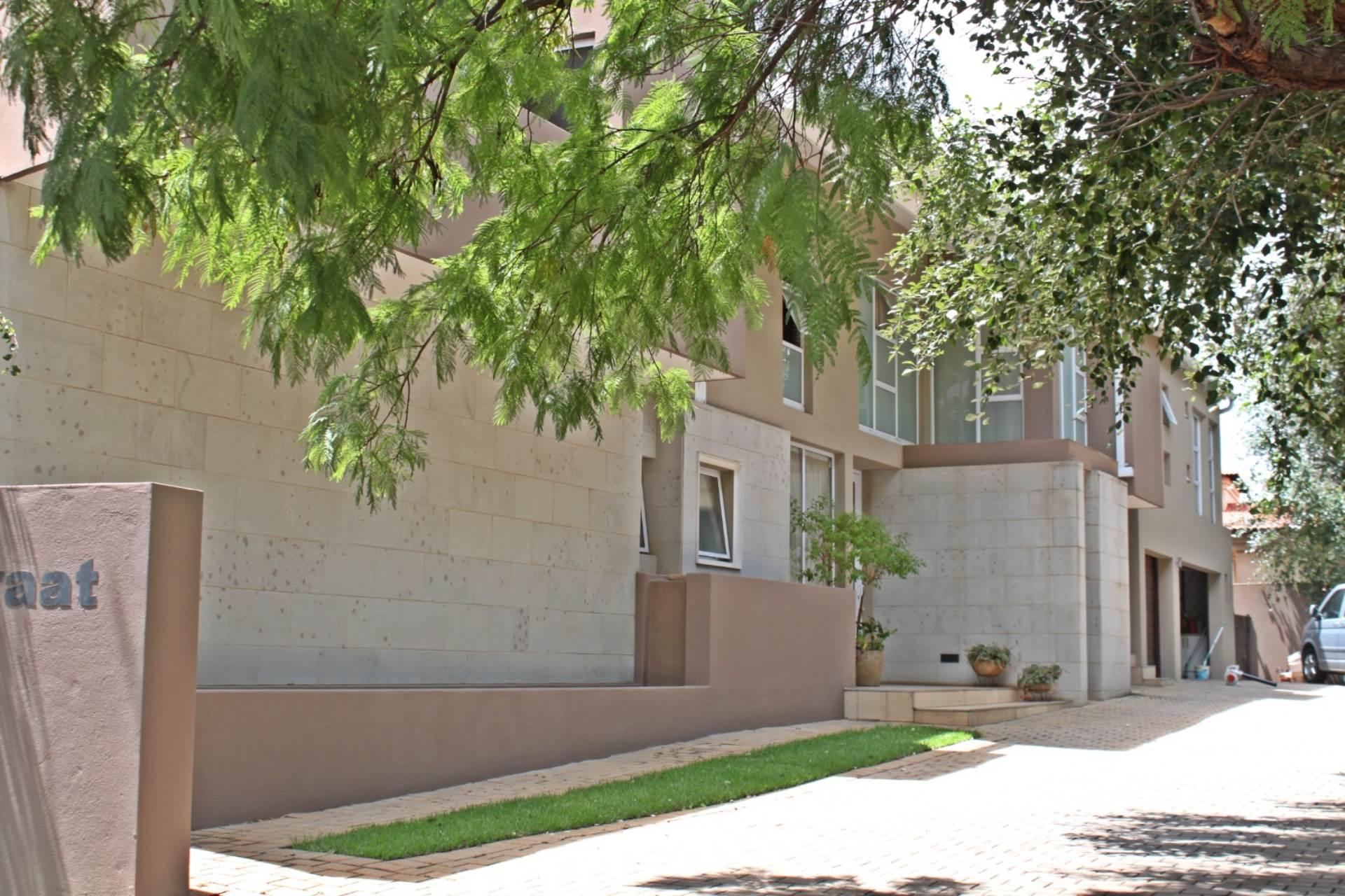 6 BedroomHouse To Rent In Midstream Estate