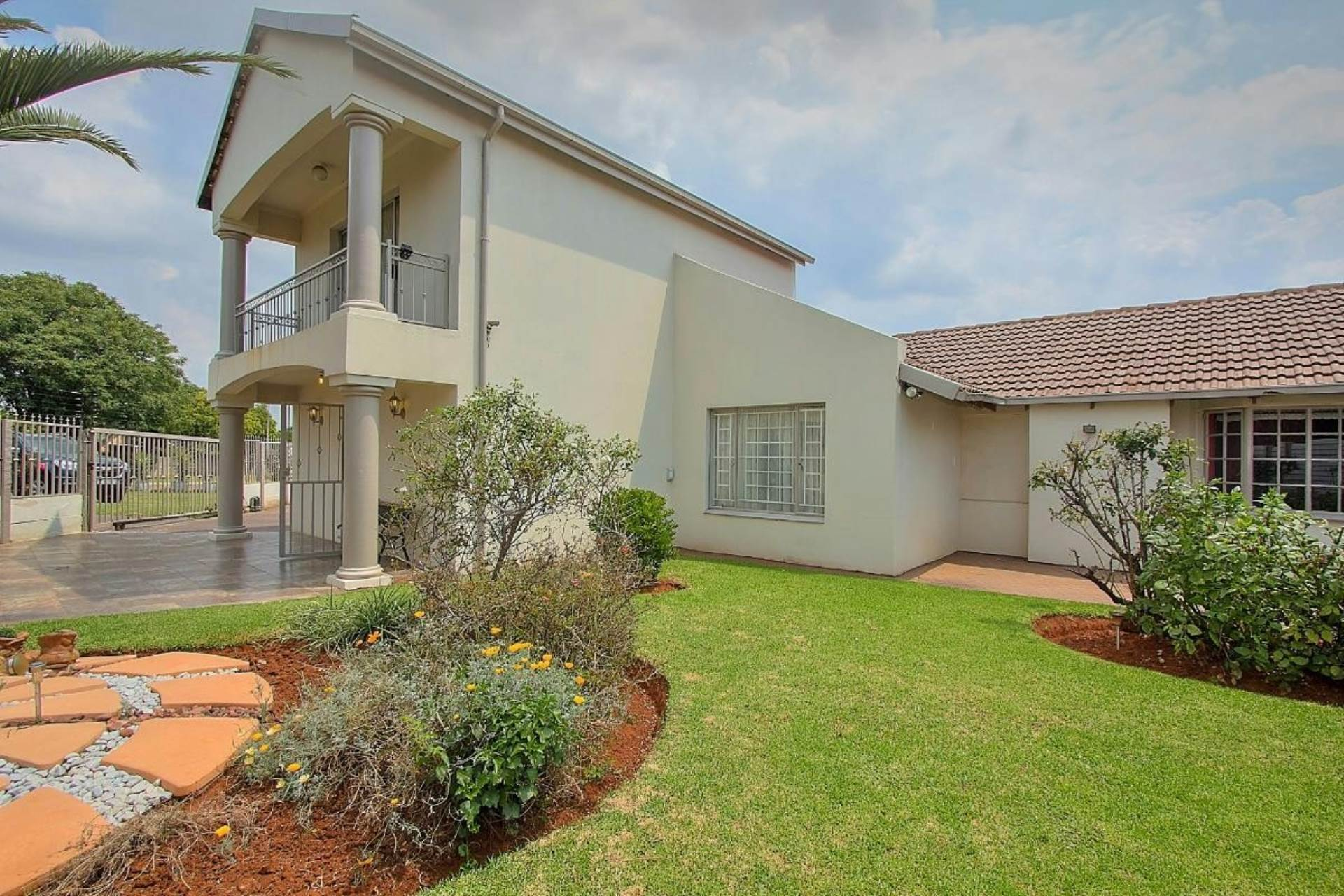 3 BedroomHouse For Sale In Dalpark Ext 6