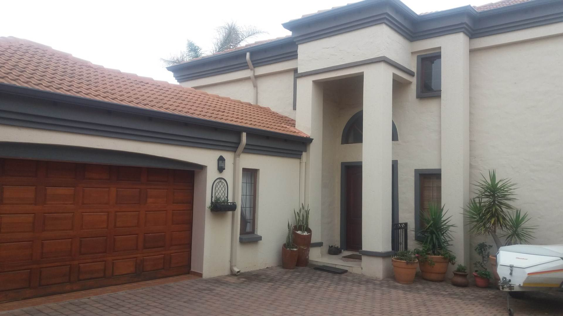 Property and Houses for sale in Moreleta Park, House, 3 Bedrooms - ZAR 2,830,000