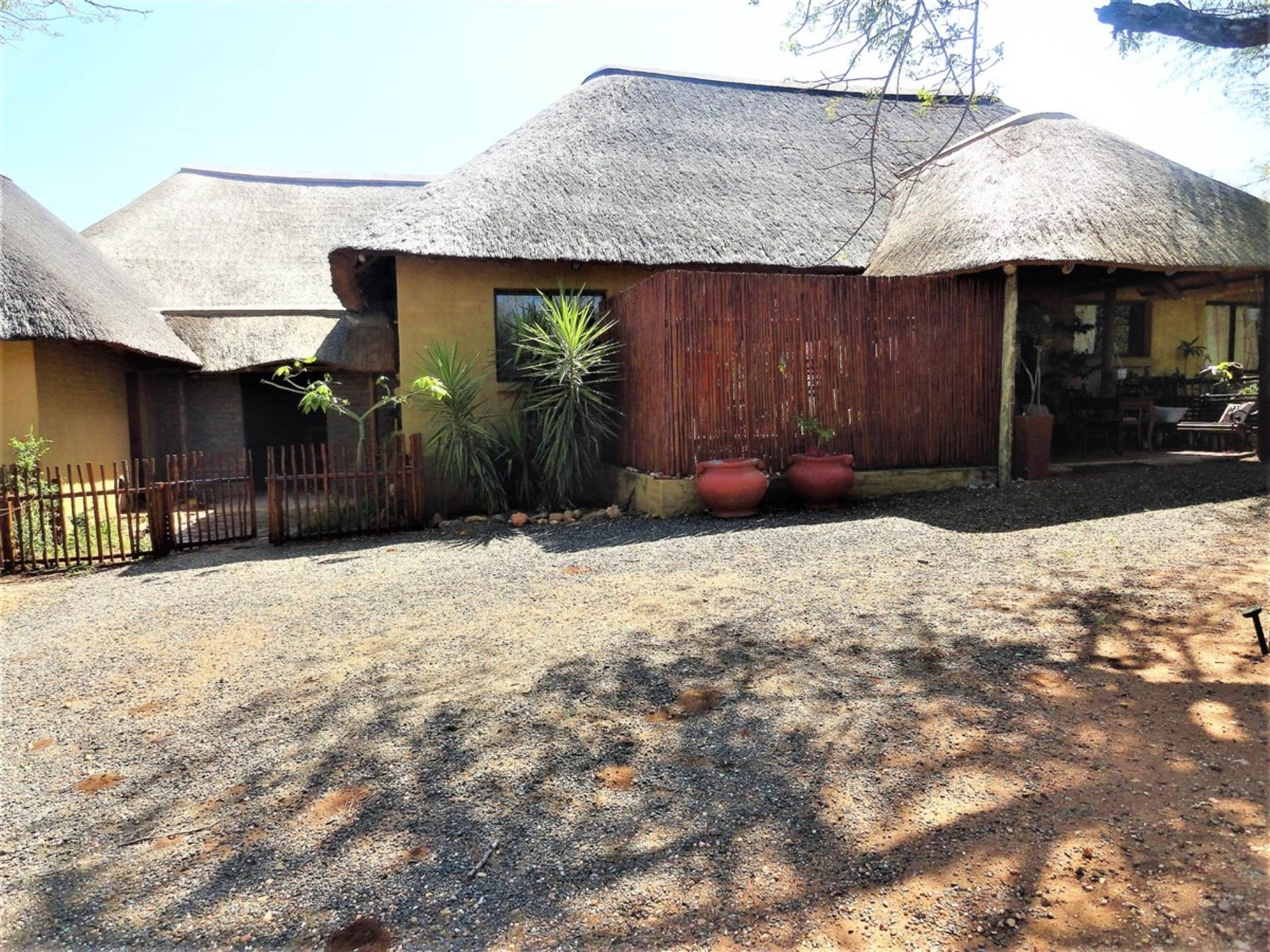 House For Sale In RAPTORS VIEW HOEDSPRUIT Picture 3