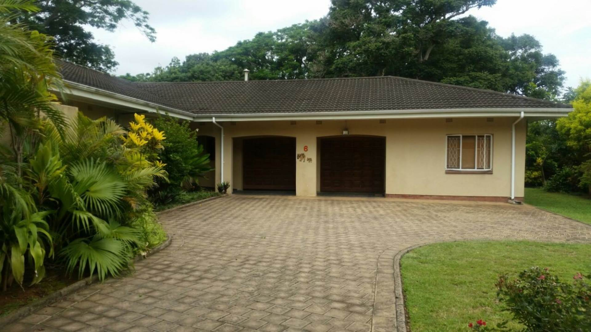 5 BedroomHouse For Sale In Kwambonambi