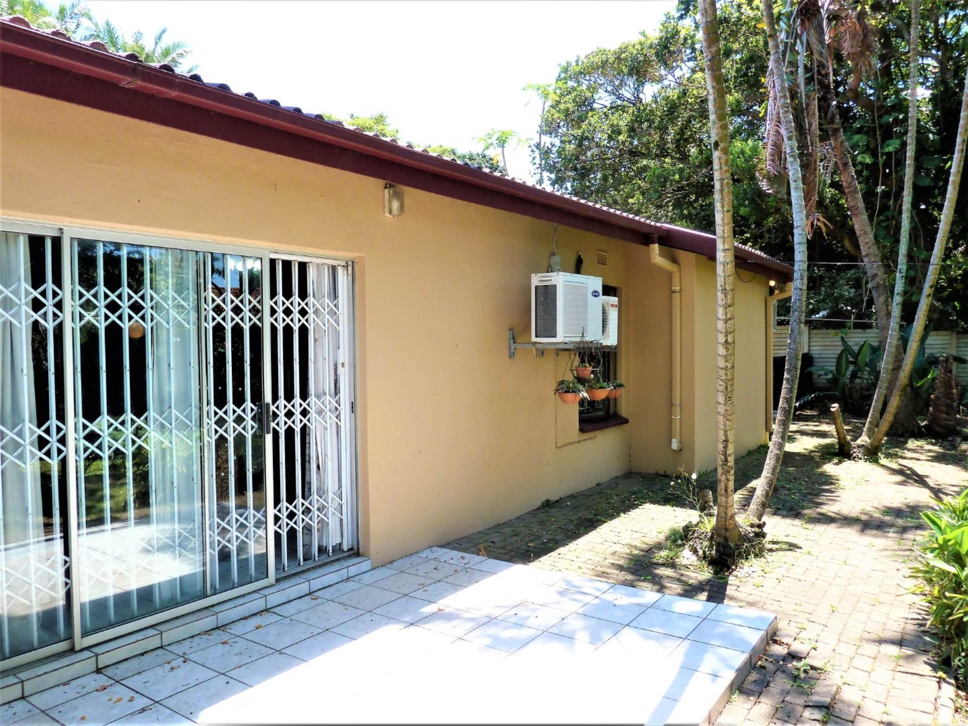 3 BedroomHouse For Sale In Margate