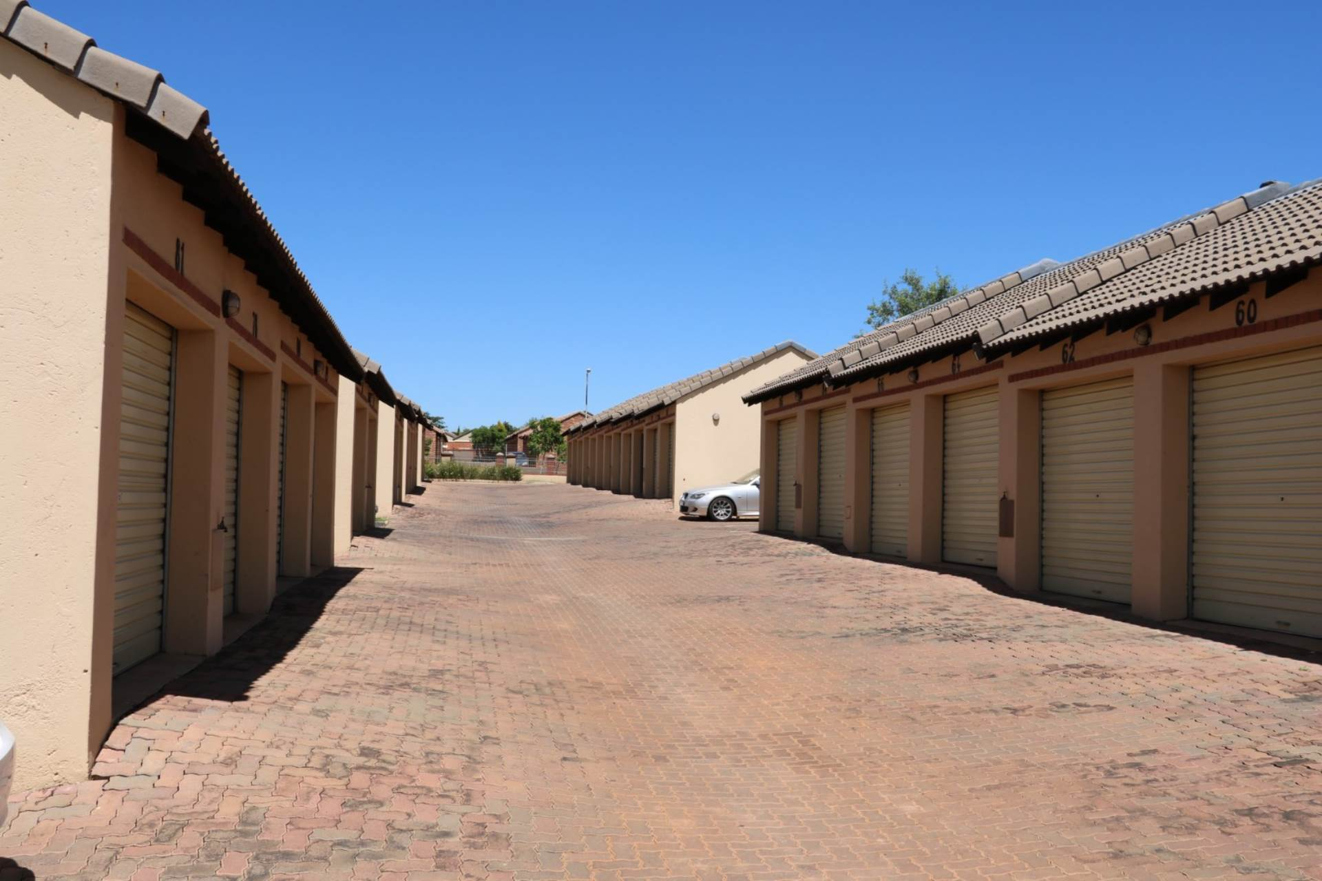 Mooikloof Ridge property for sale. Ref No: 13534455. Picture no 3