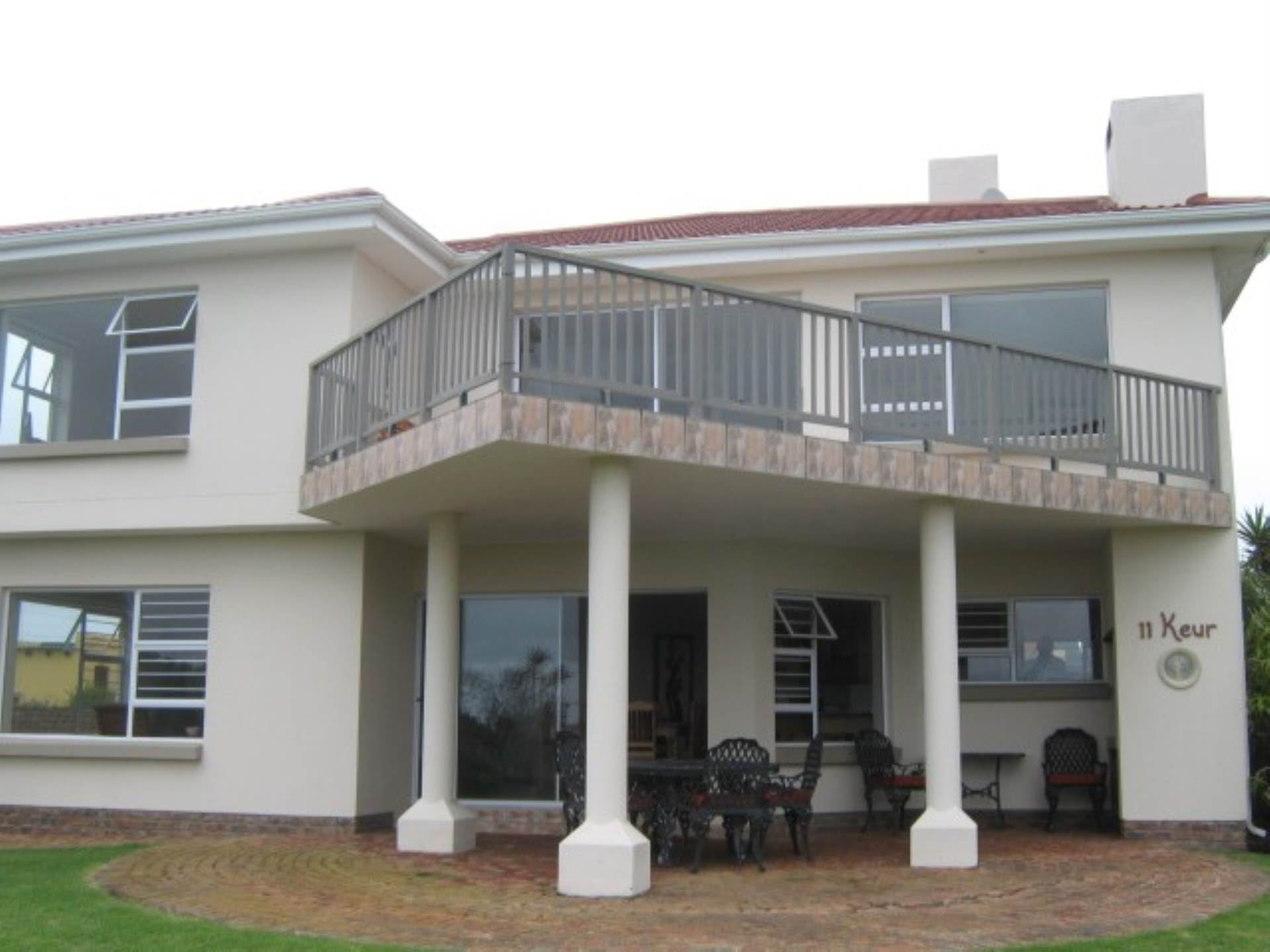 4 BedroomHouse For Sale In Boggomsbaai