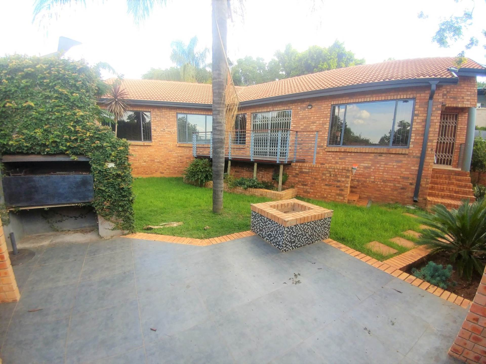 Property and Houses for sale in Newlands, House, 3 Bedrooms - ZAR 1,925,000