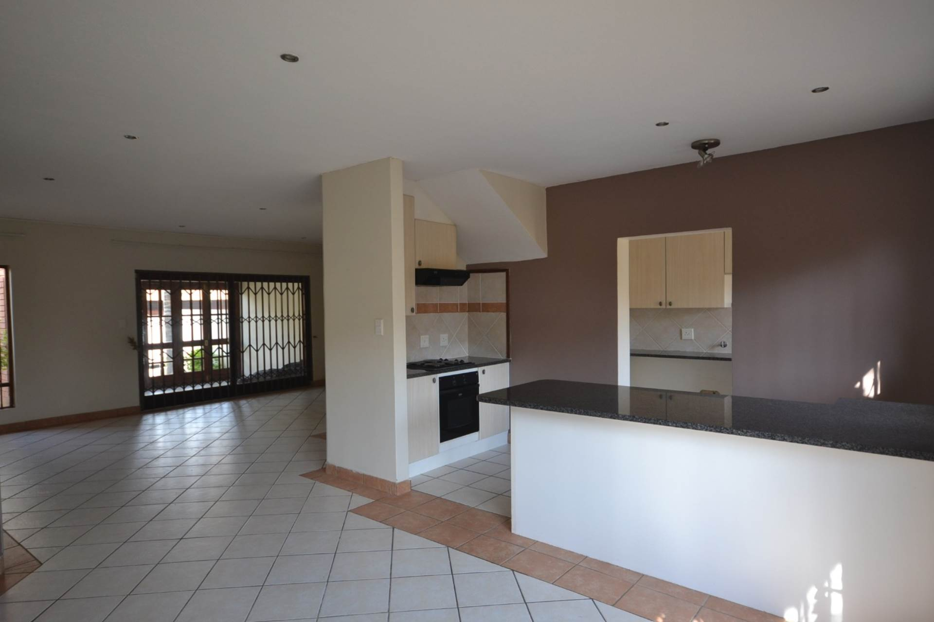 Olympus property for sale. Ref No: 13583407. Picture no 2