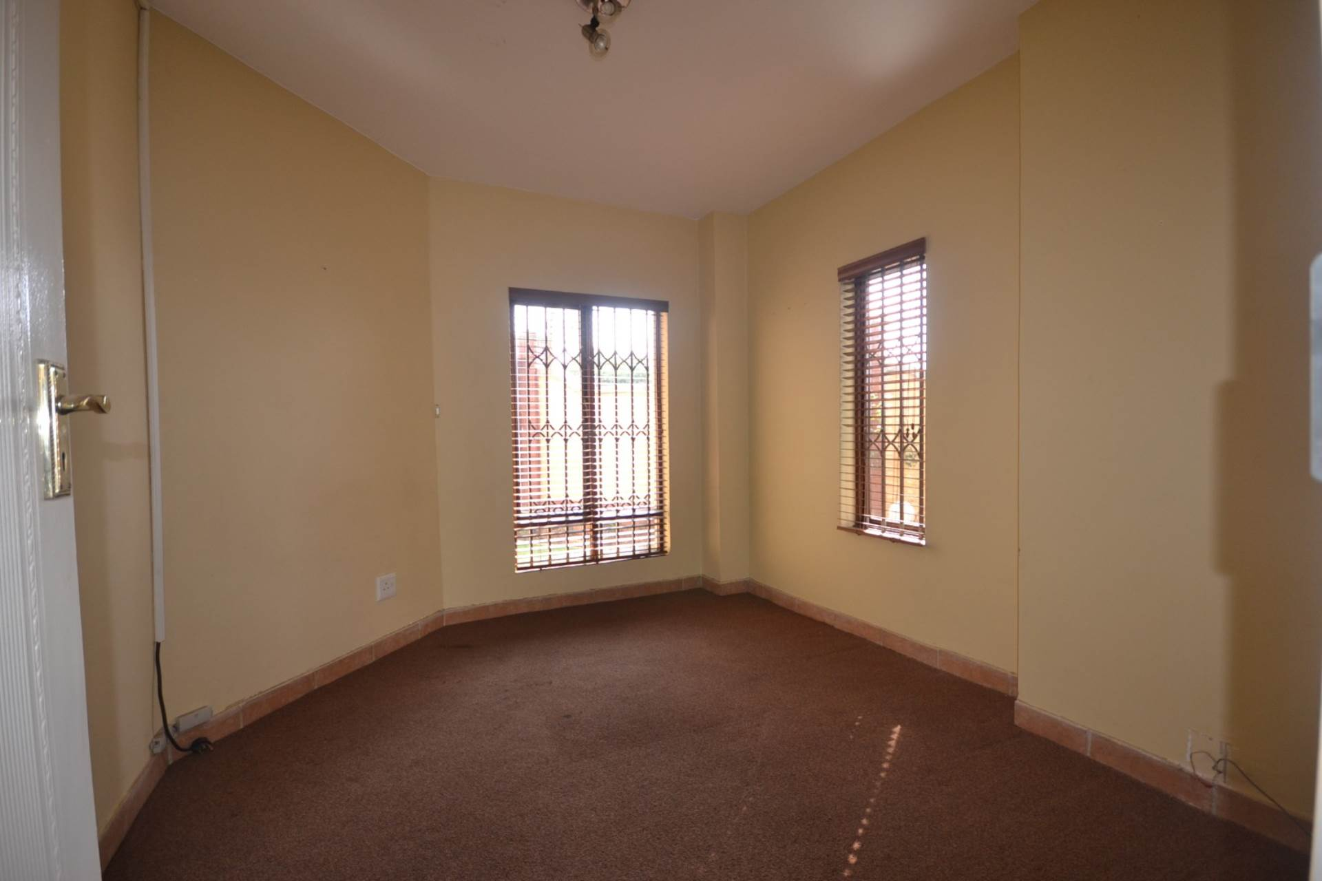 Olympus property for sale. Ref No: 13583407. Picture no 6