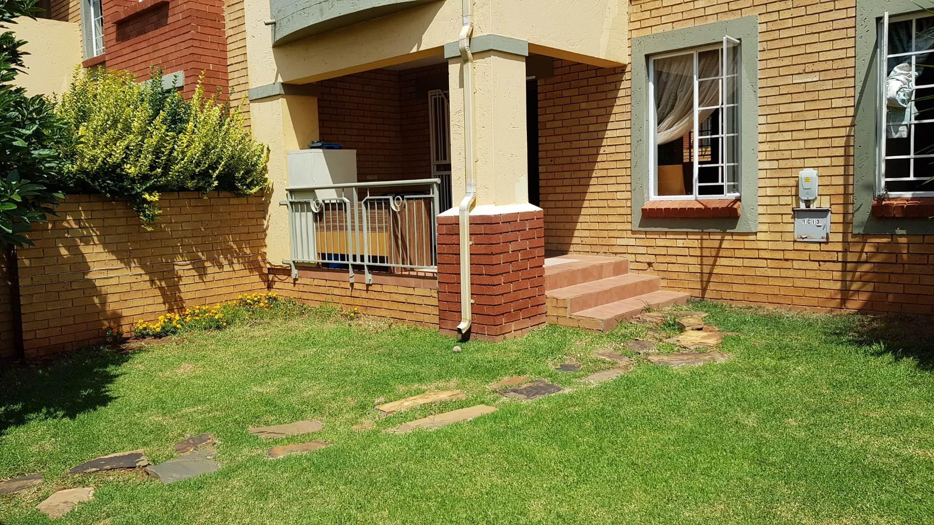 2 BedroomTownhouse To Rent In Mooikloof Ridge