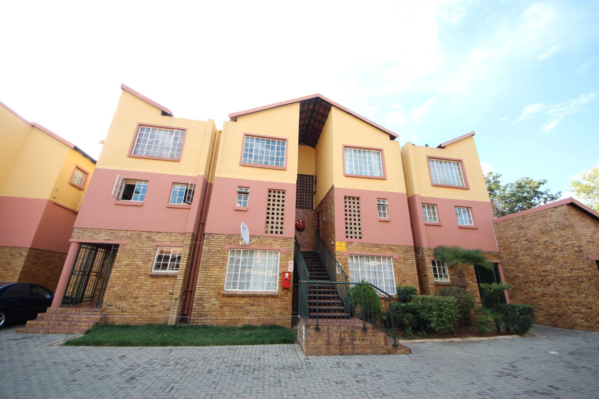 2 BedroomTownhouse To Rent In Marlands