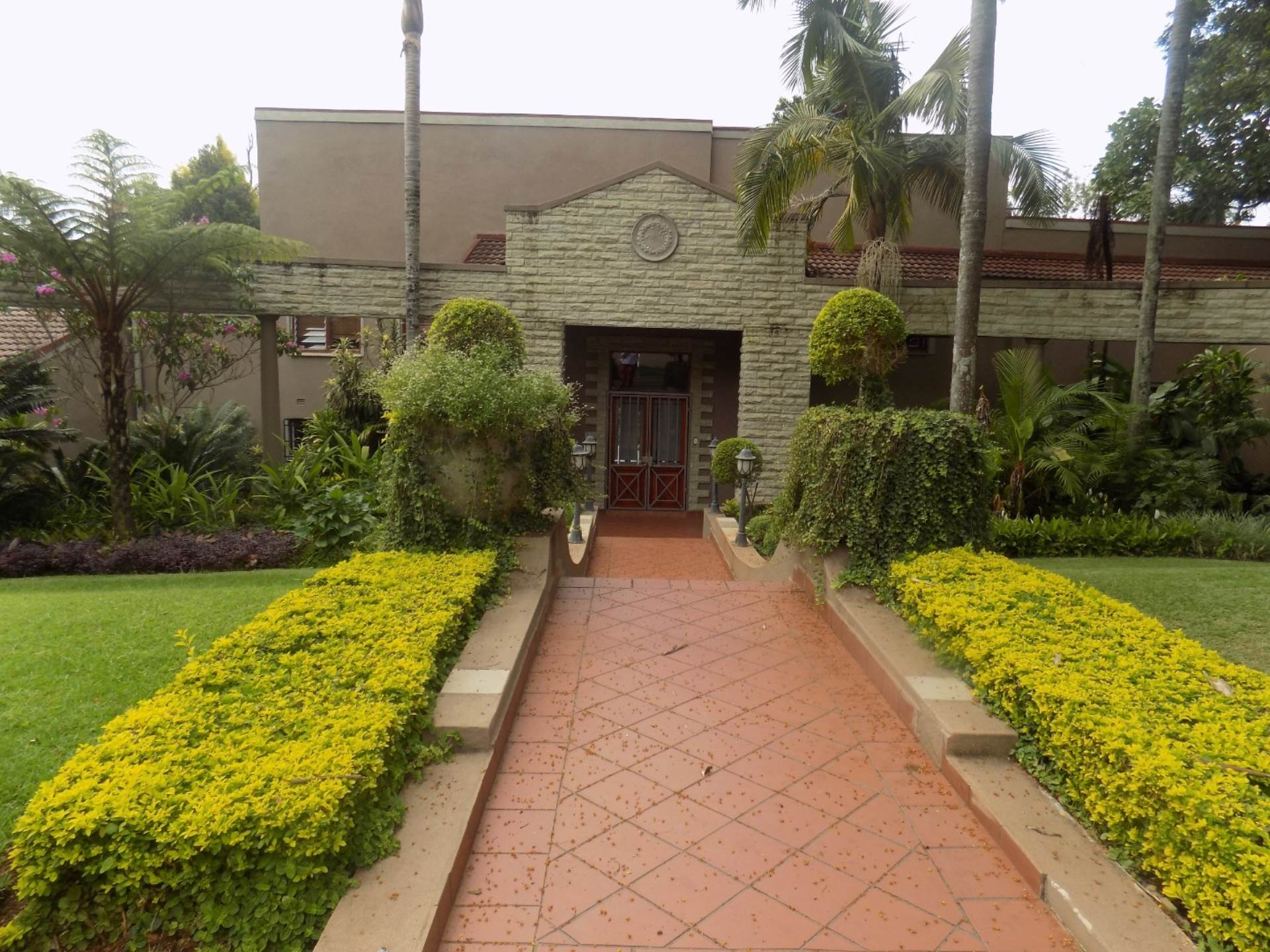5 BedroomHouse For Sale In Aquapark