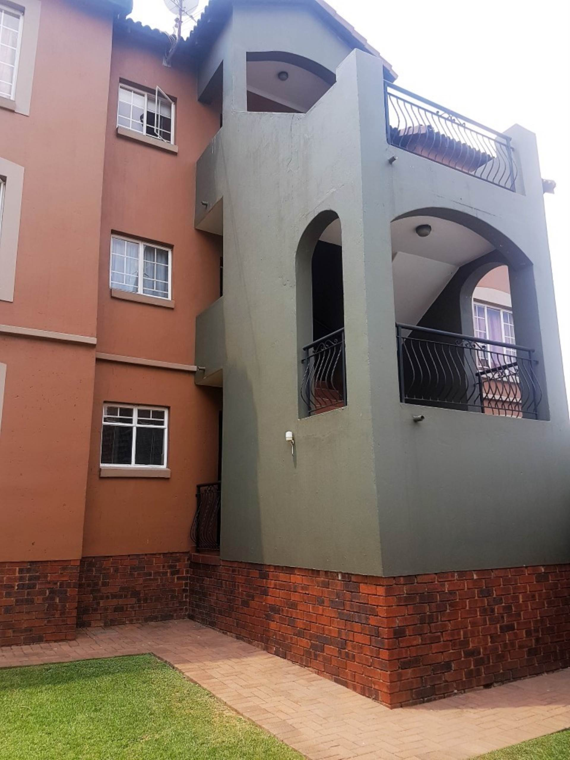 2 BedroomApartment To Rent In Castleview