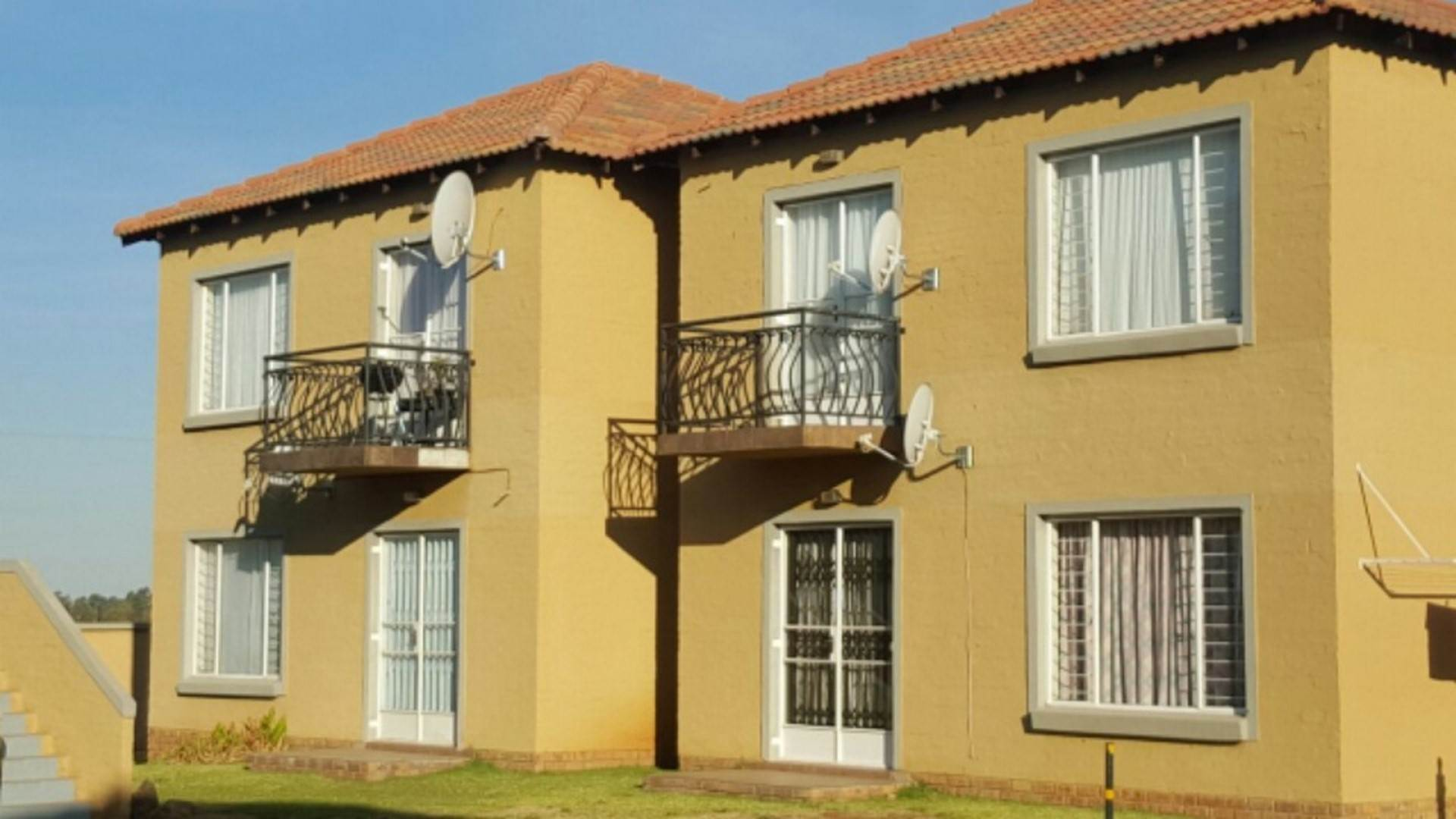 2 BedroomTownhouse For Sale In Vaalpark
