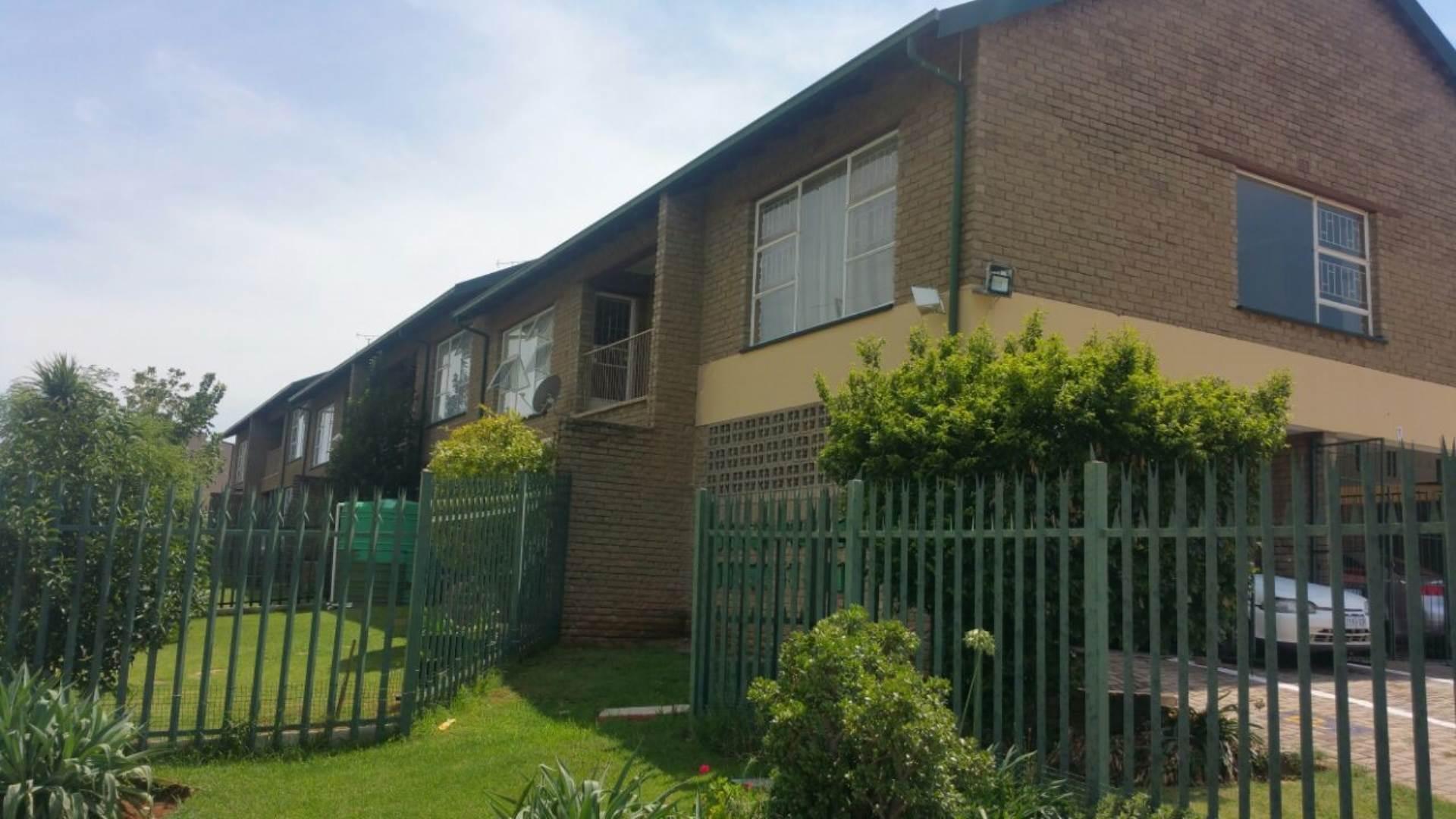 2 BedroomFlat For Sale In Krugersdorp North