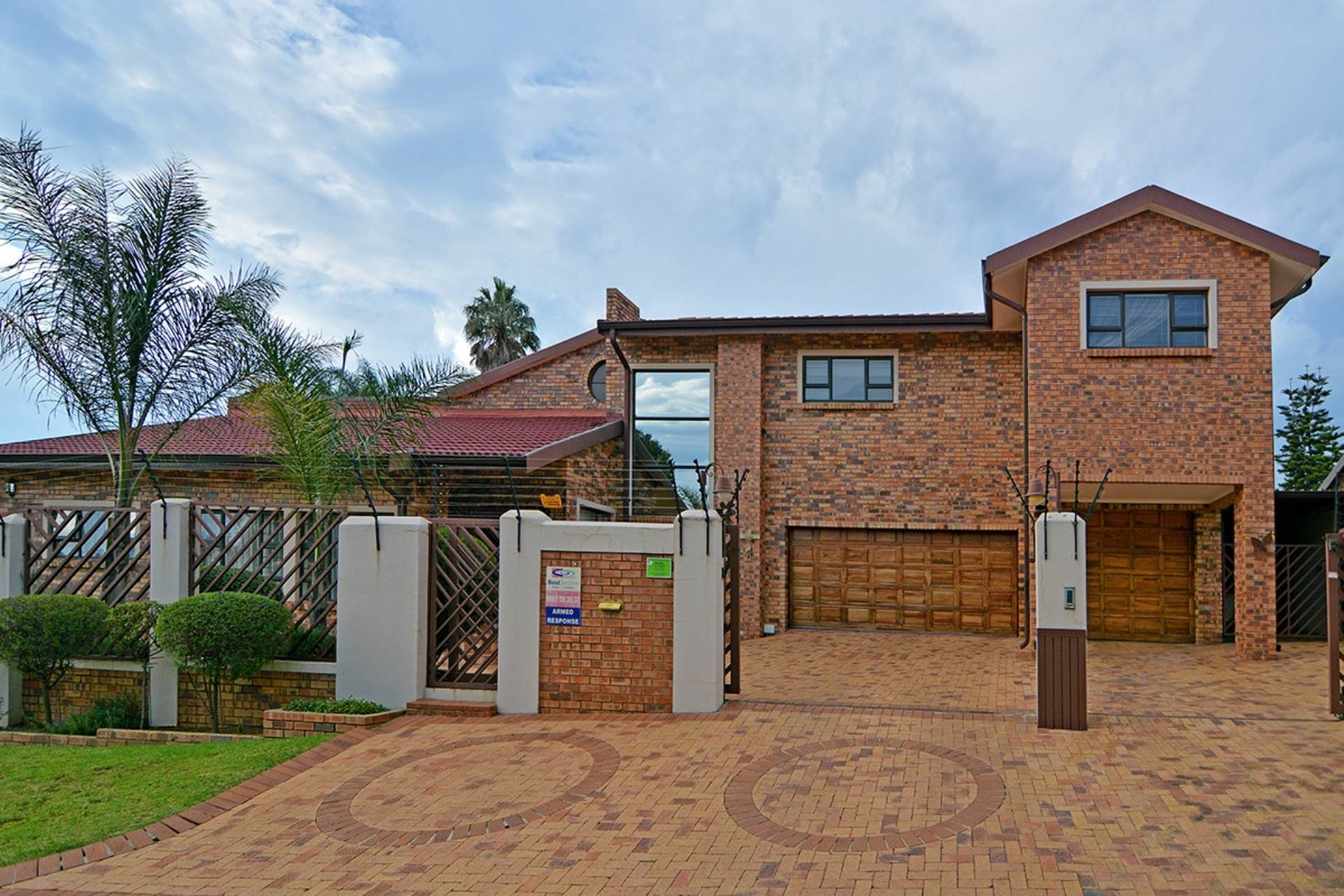 4 BedroomHouse For Sale In Bergbron