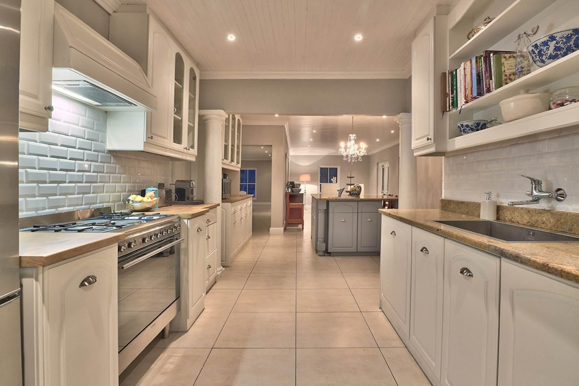 Milnerton property for sale. Ref No: 13585599. Picture no 11