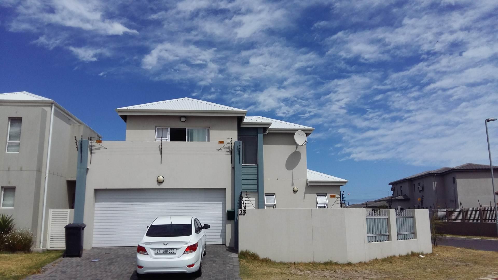 3 BedroomHouse To Rent In Parklands North