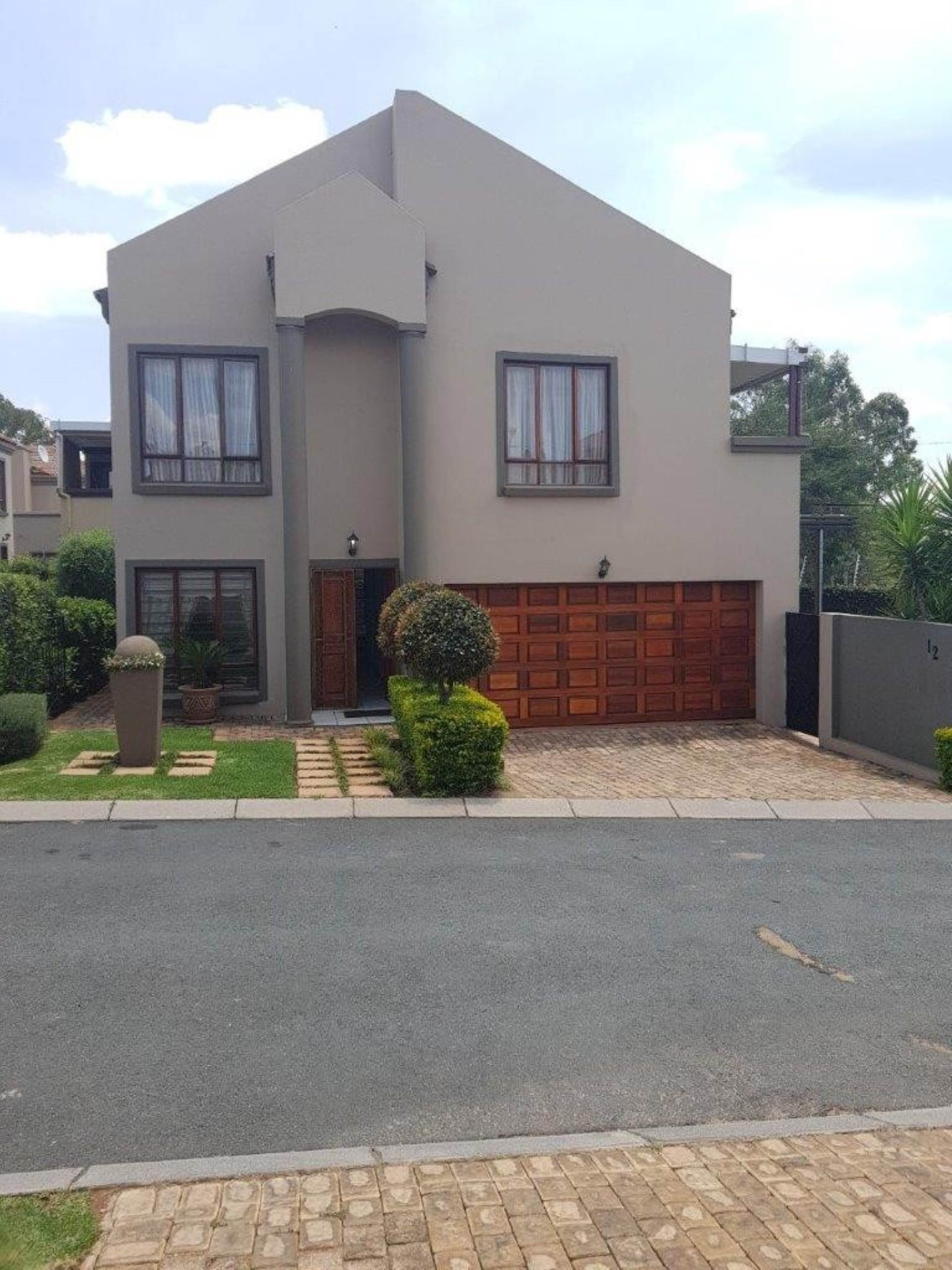 3 BedroomHouse For Sale In Chancliff A H