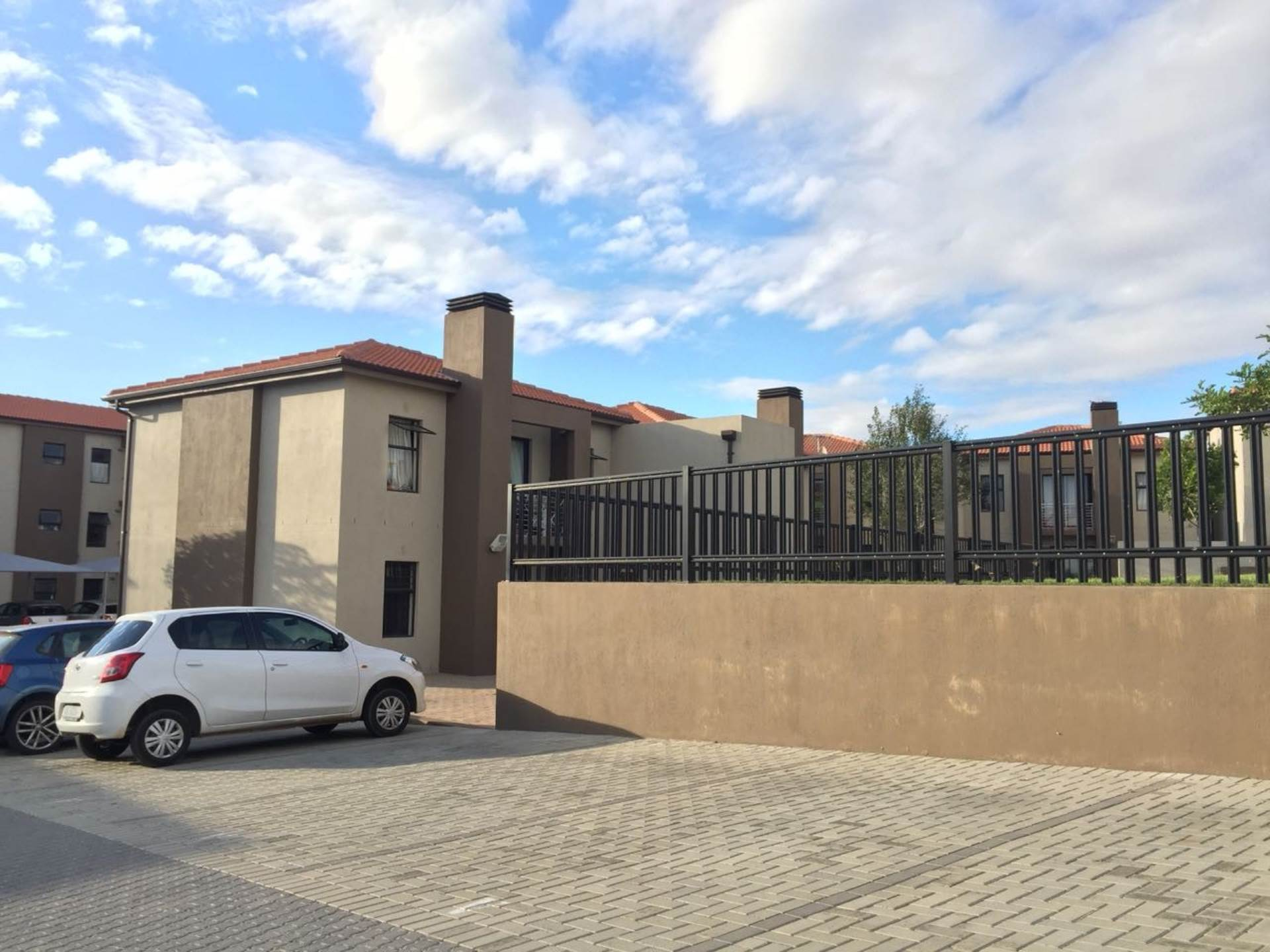 Burgundy Estate property for sale. Ref No: 13585277. Picture no 11