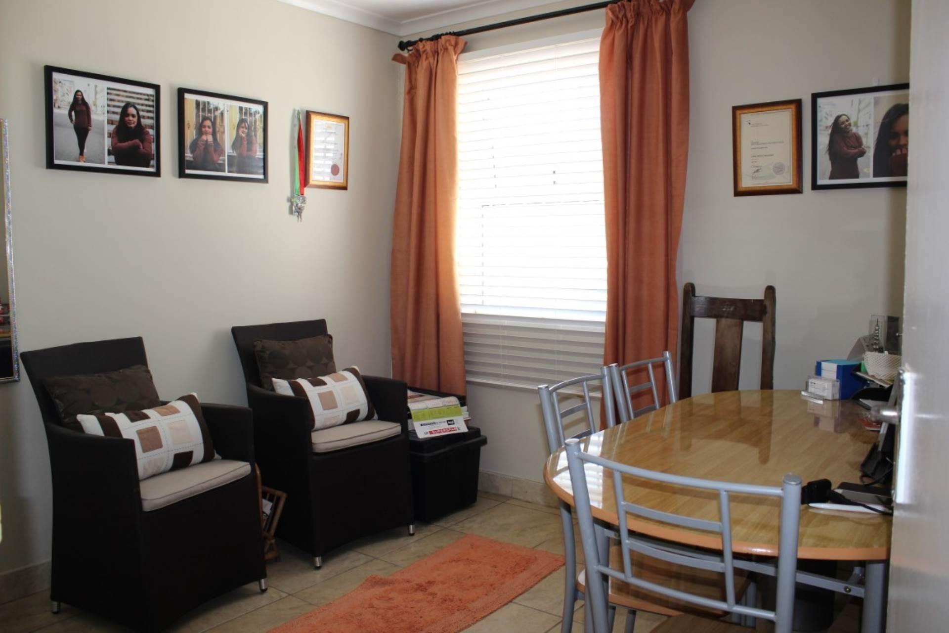 Phoenix property for sale. Ref No: 13585581. Picture no 4
