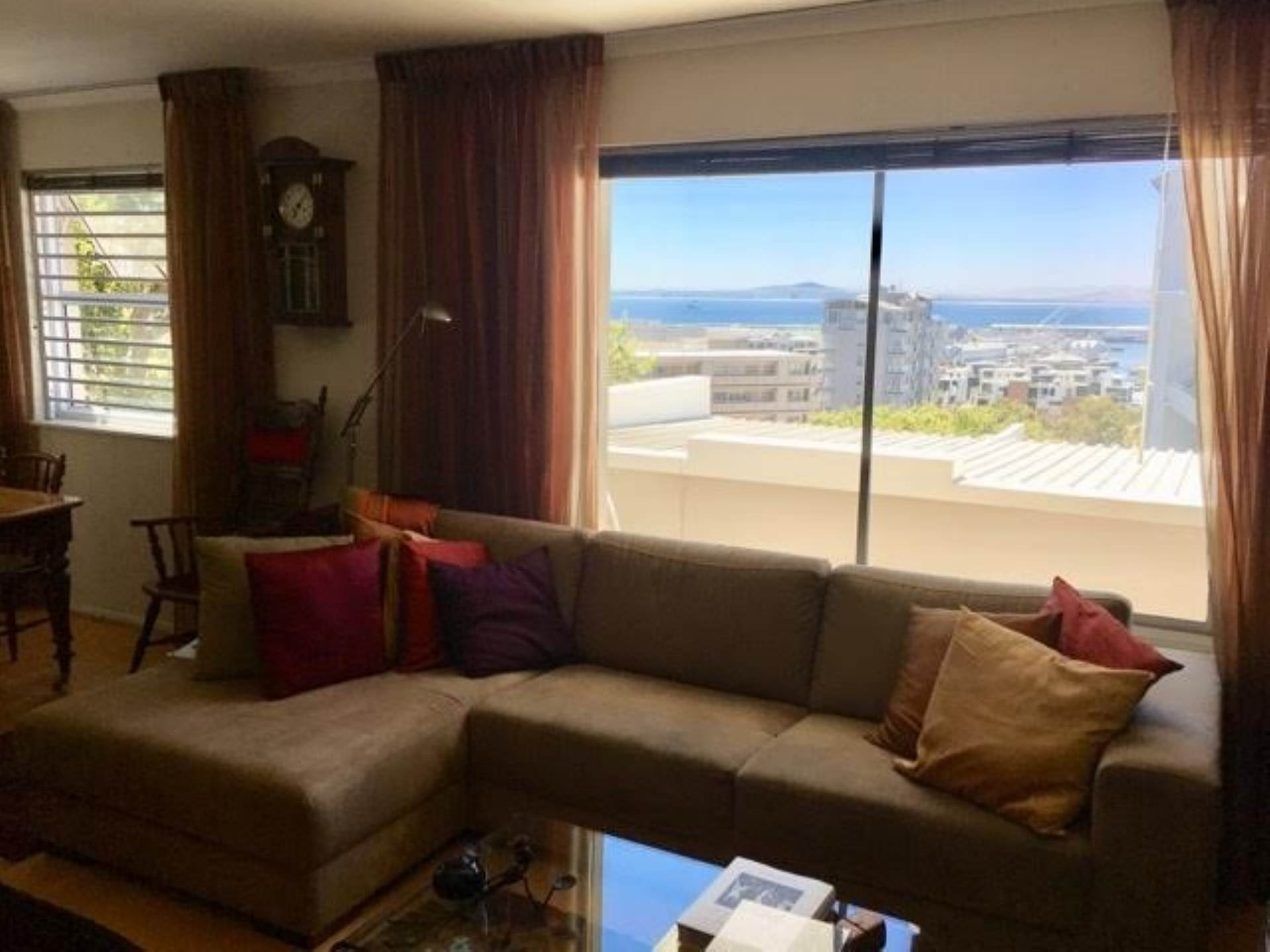 Green Point property for sale. Ref No: 13554469. Picture no 2