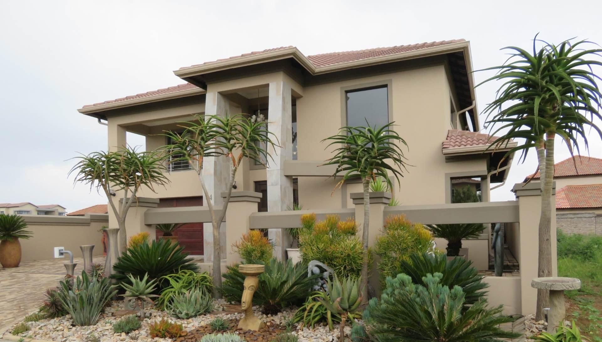 4 BedroomHouse For Sale In La Como Lifestyle Estate