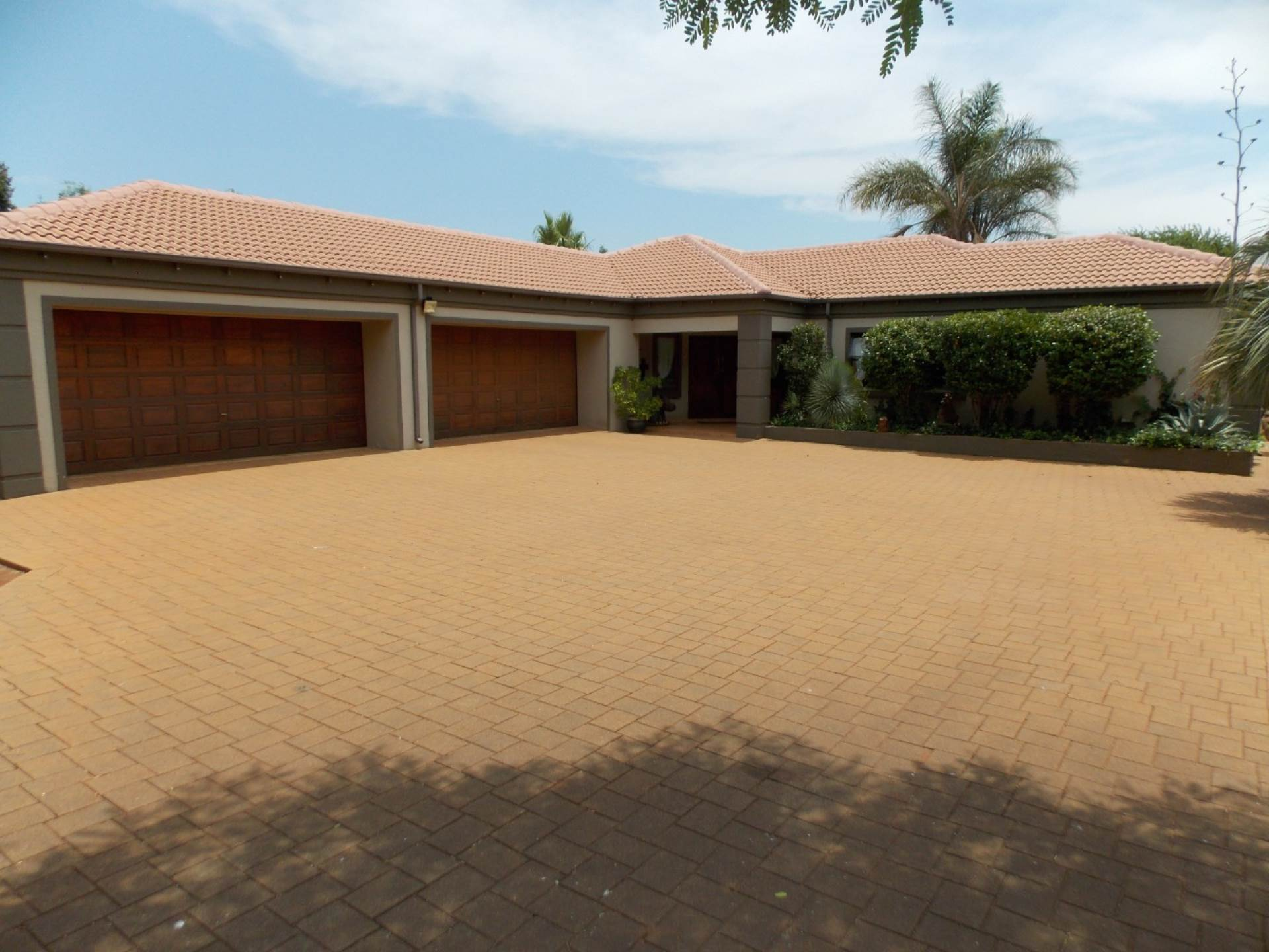 Pretoria, Rietvlei View Country Estate Property  | Houses For Sale Rietvlei View Country Estate, RIETVLEI VIEW COUNTRY ESTATE, House 4 bedrooms property for sale Price:4,995,000