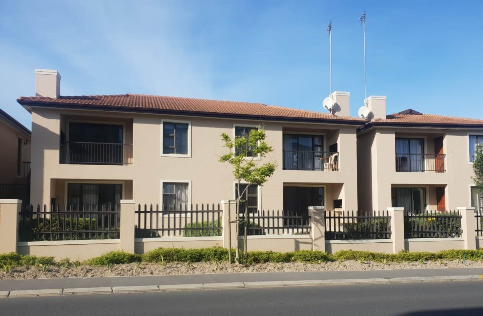 Cape Town, Burgundy Estate Property  | Houses For Sale Burgundy Estate, BURGUNDY ESTATE, Apartment 2 bedrooms property for sale Price:1,125,000