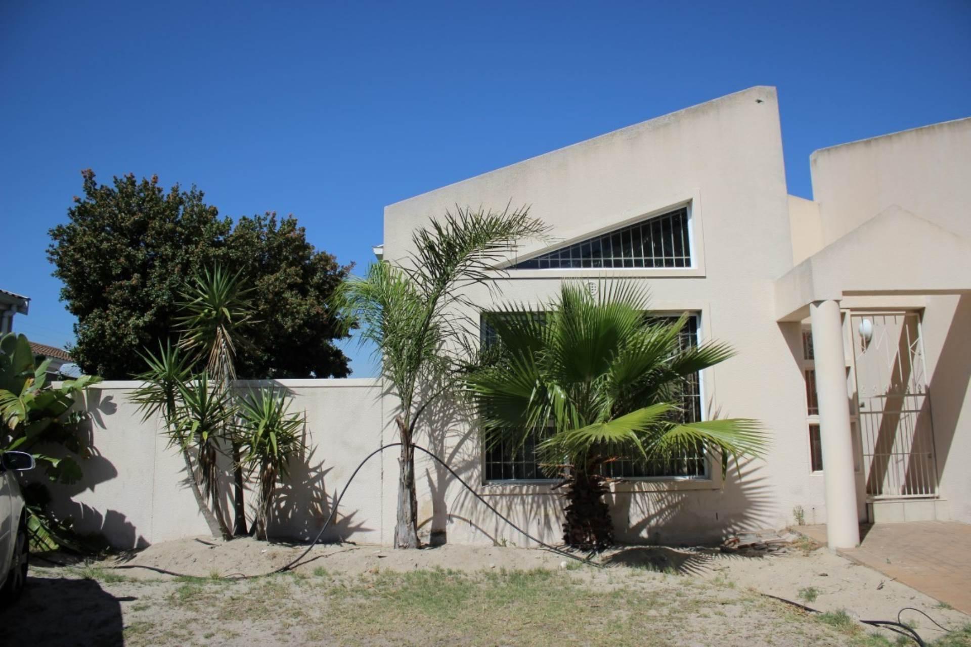Parklands property for sale. Ref No: 13586068. Picture no 1
