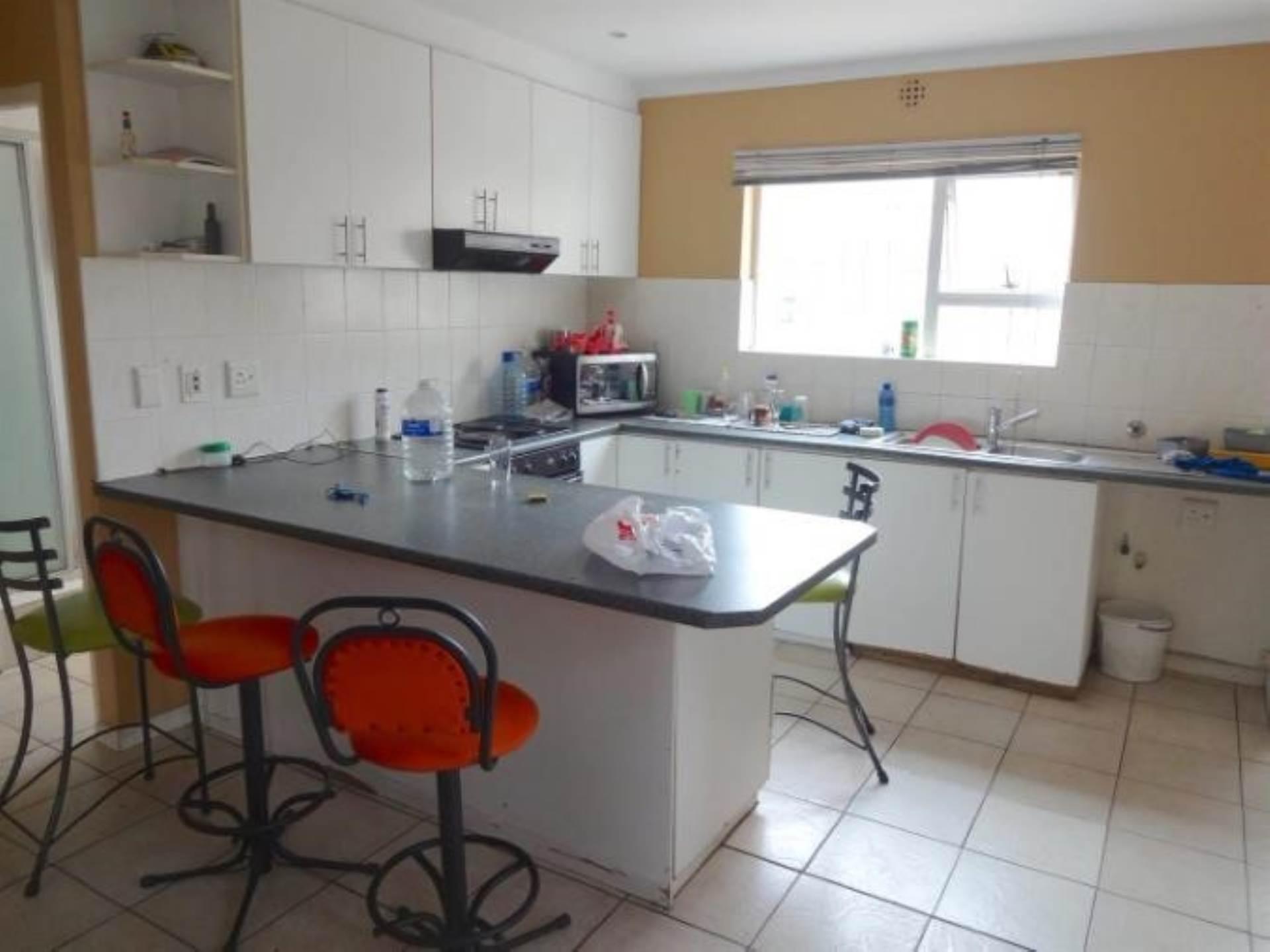 Parklands property for sale. Ref No: 13586068. Picture no 2