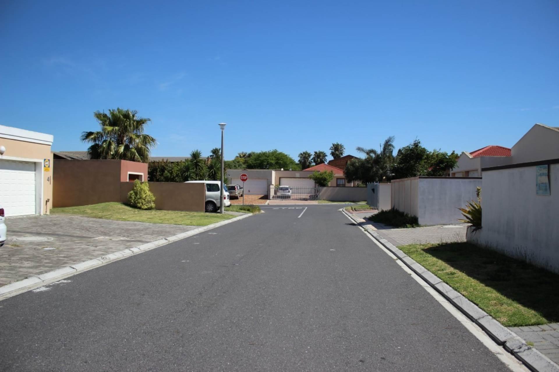 Parklands property for sale. Ref No: 13586068. Picture no 6
