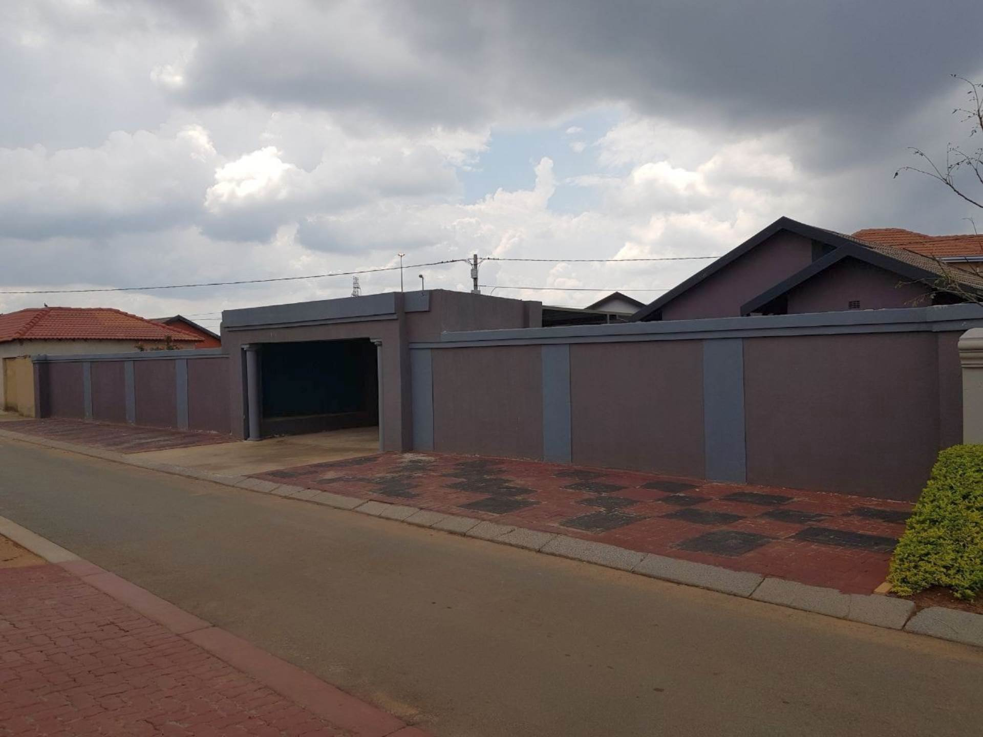2 BedroomHouse For Sale In Dobsonville