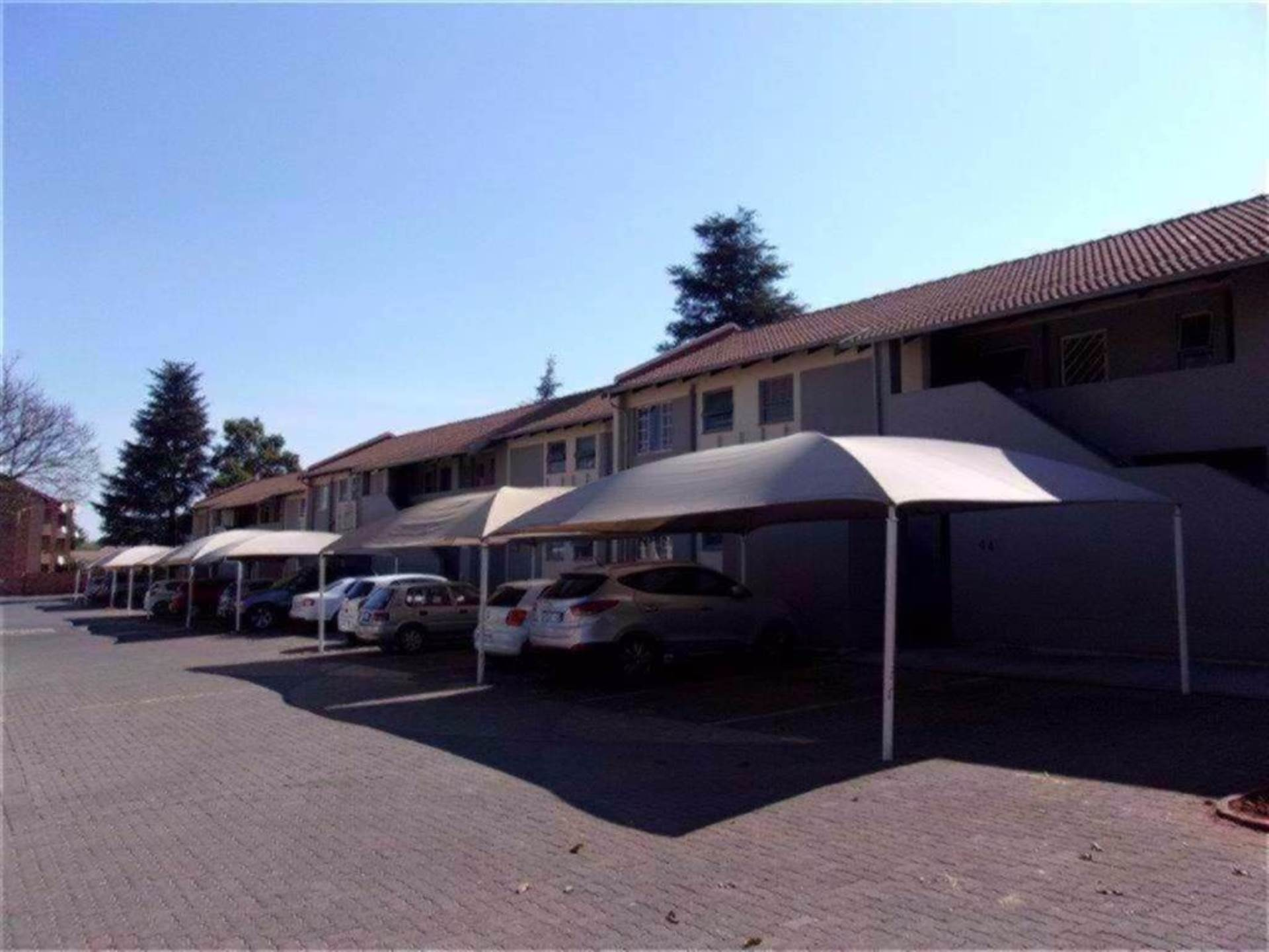 Die Hoewes property for sale. Ref No: 13586670. Picture no 17
