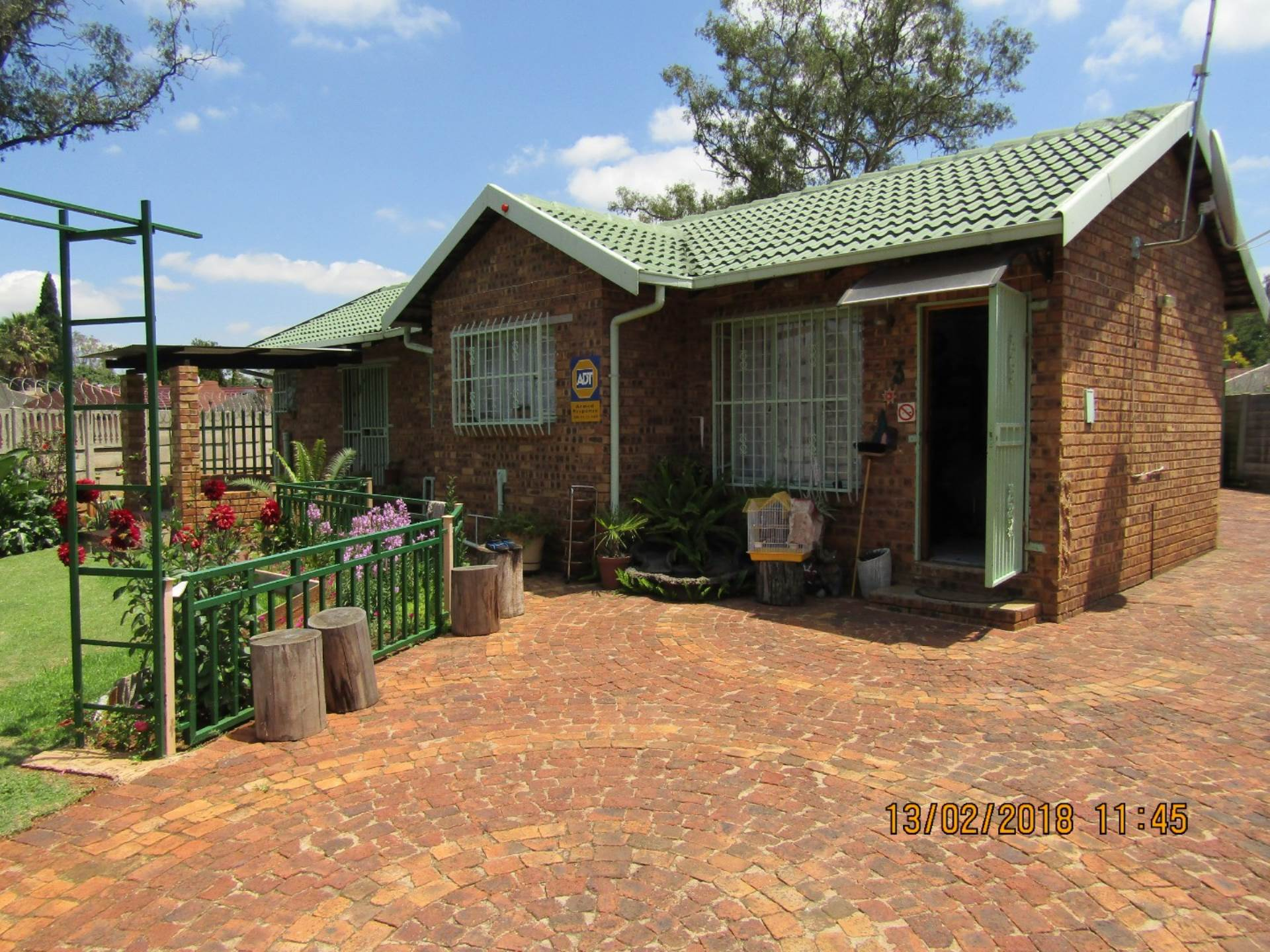 2 BedroomHouse For Sale In Pollak Park