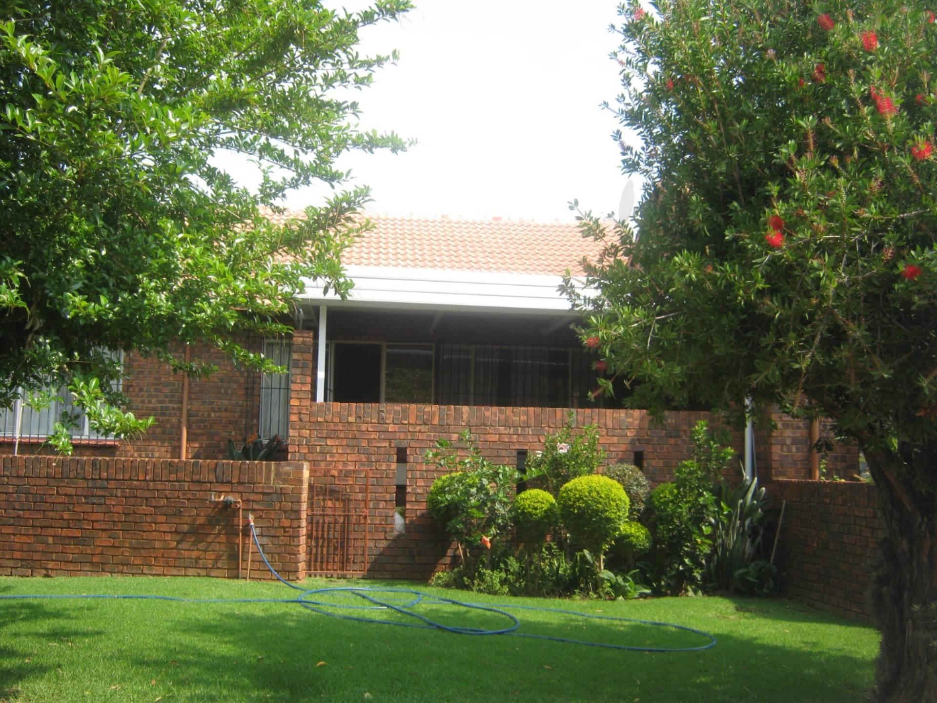Faerie Glen property for sale. Ref No: 13587462. Picture no 1