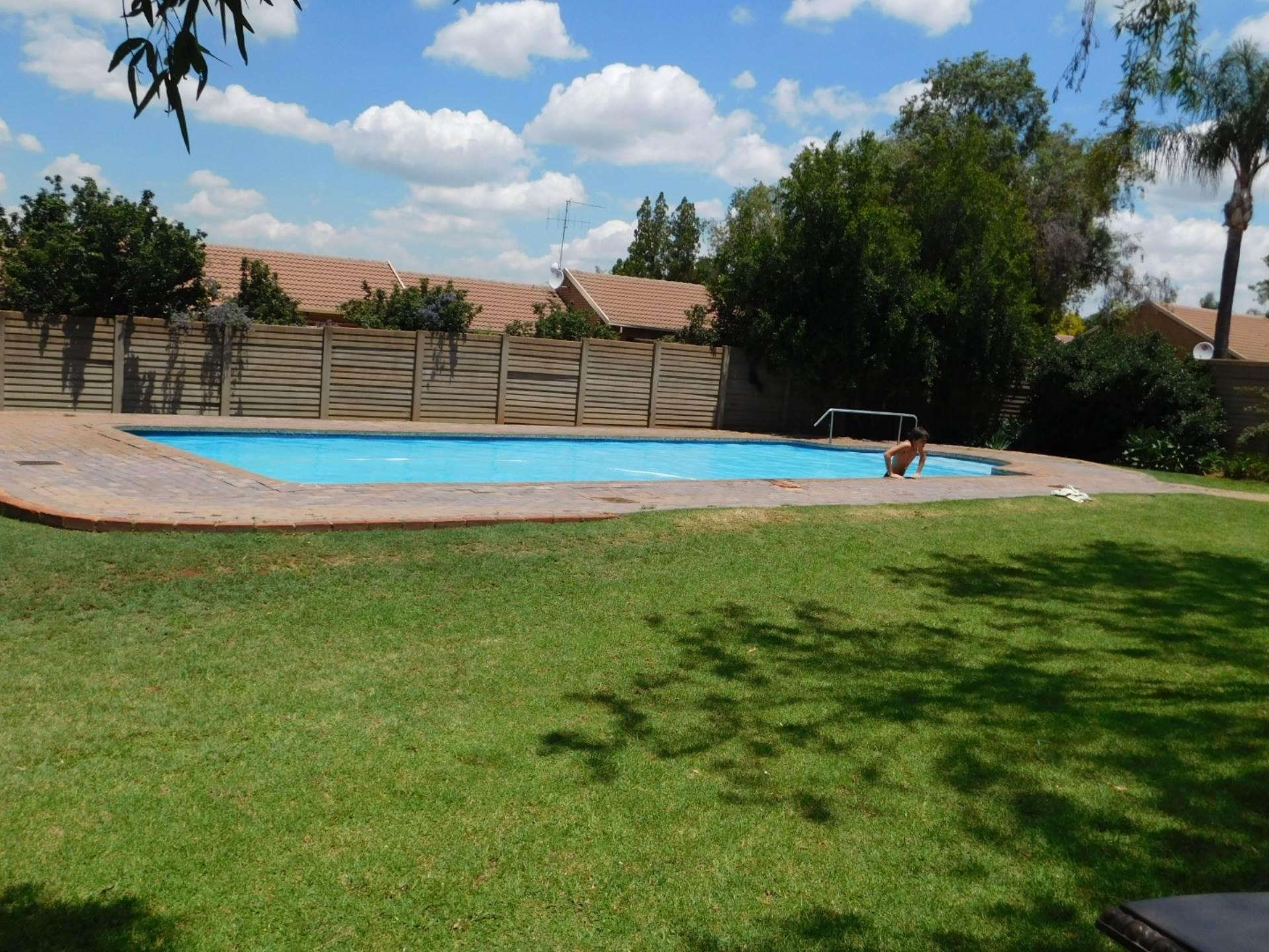 La Montagne property for sale. Ref No: 13587601. Picture no 13