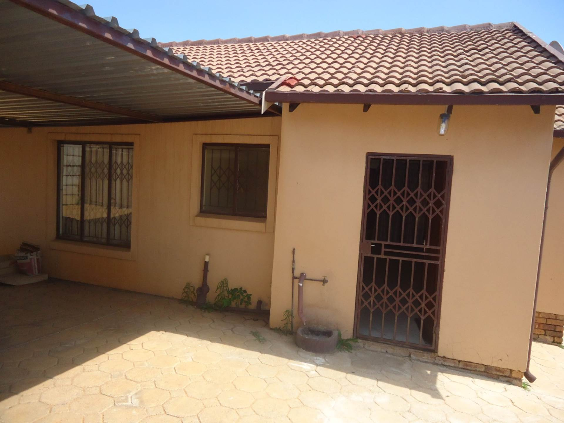 3 BedroomHouse To Rent In Mahube Valley