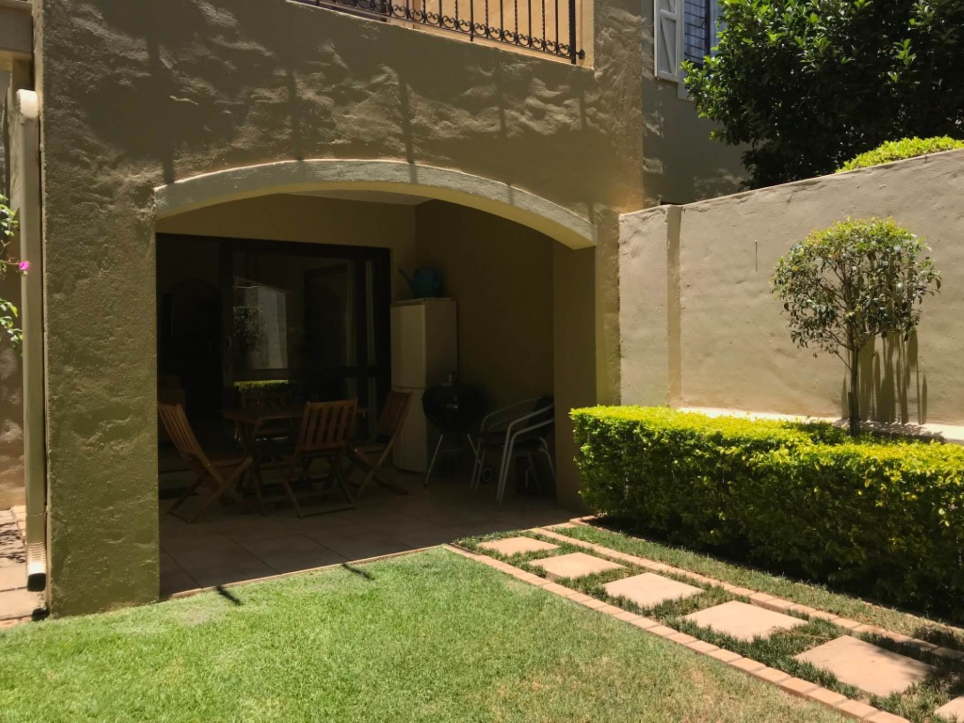 2 BedroomTownhouse To Rent In Lonehill