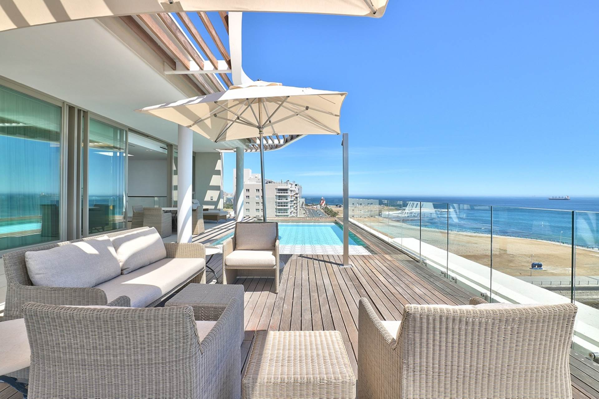Mouille Point property for sale. Ref No: 13588651. Picture no 7