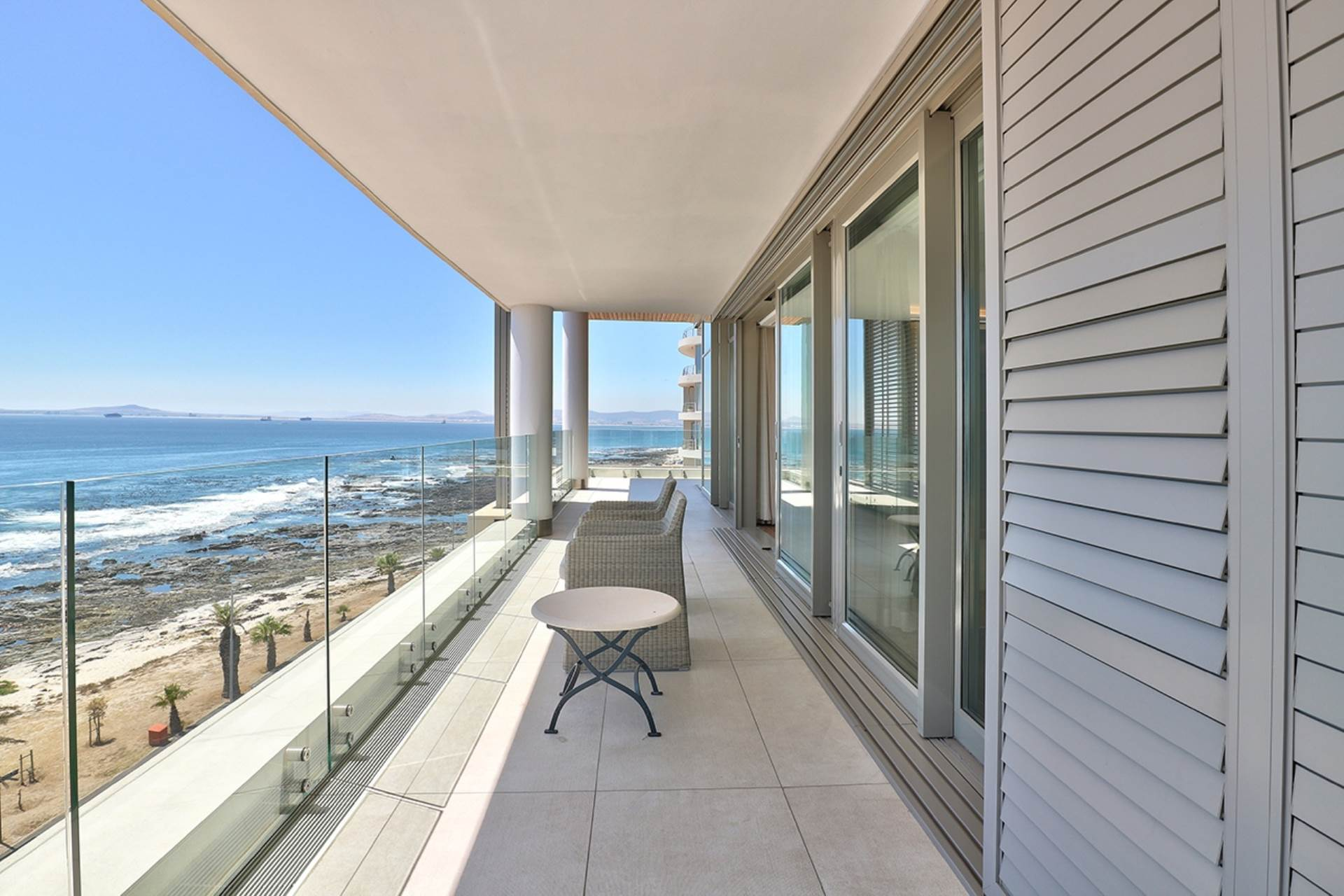 Mouille Point property for sale. Ref No: 13588651. Picture no 34