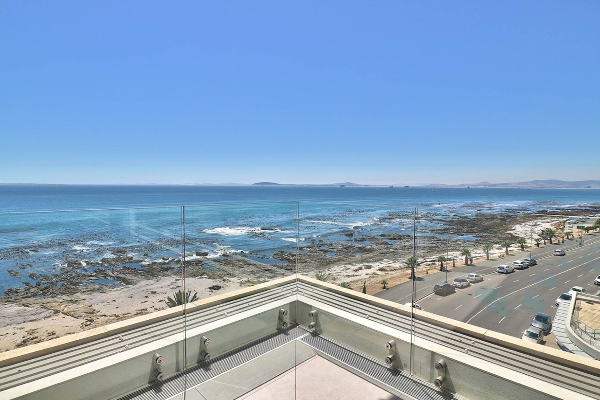 Mouille Point for sale property. Ref No: 13588651. Picture no 29
