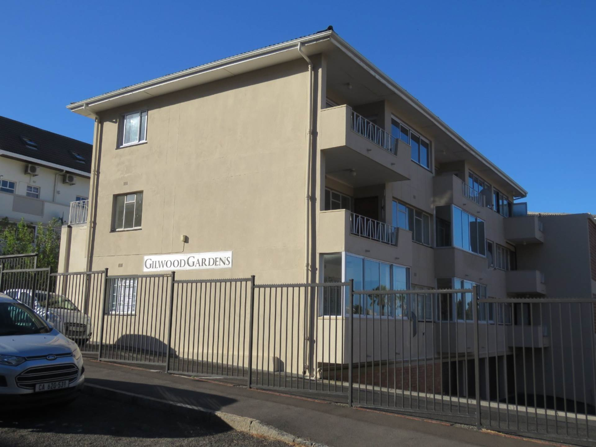 2 BedroomFlat To Rent In Tamboerskloof
