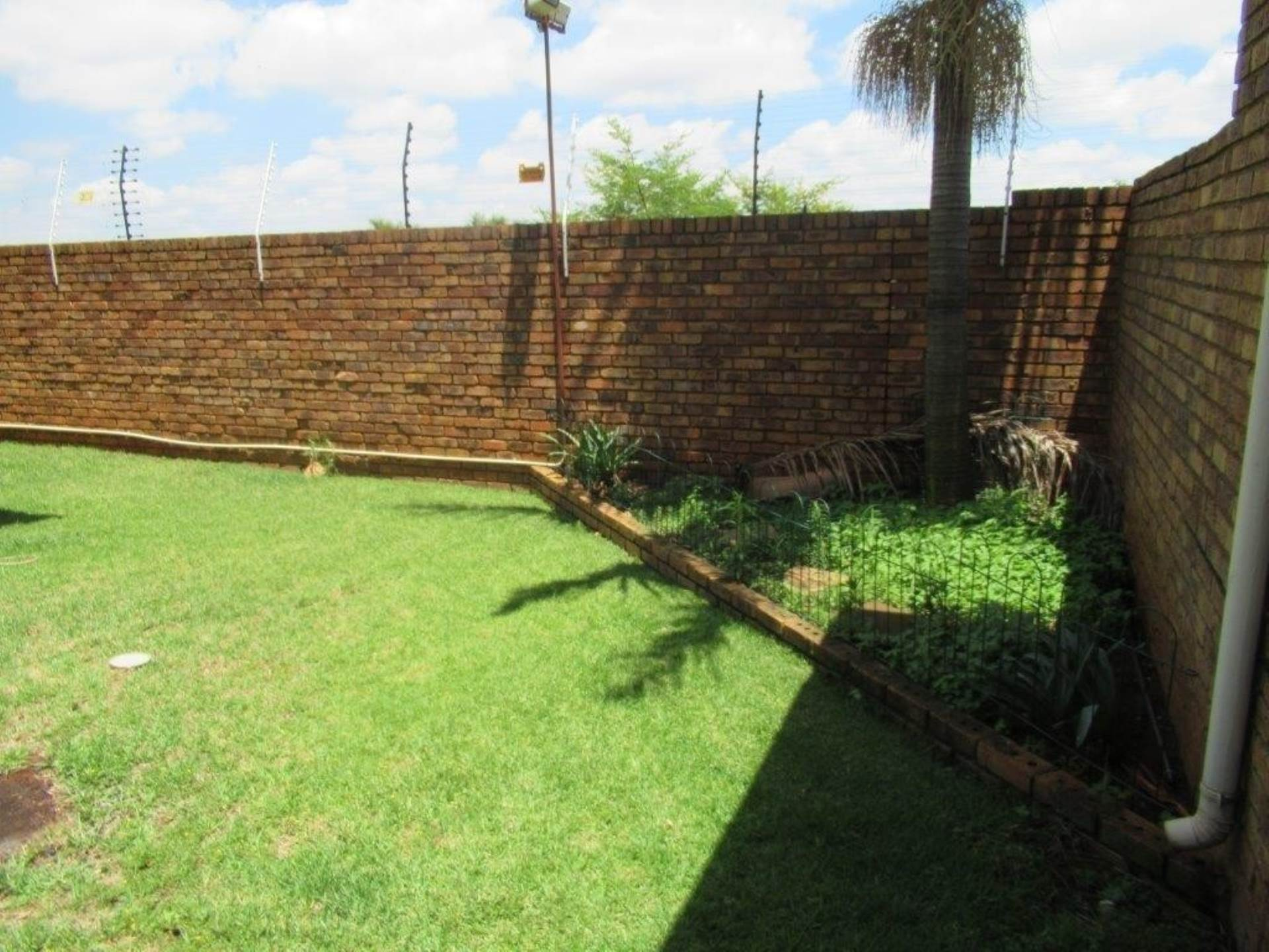 Highveld property for sale. Ref No: 13589374. Picture no 9