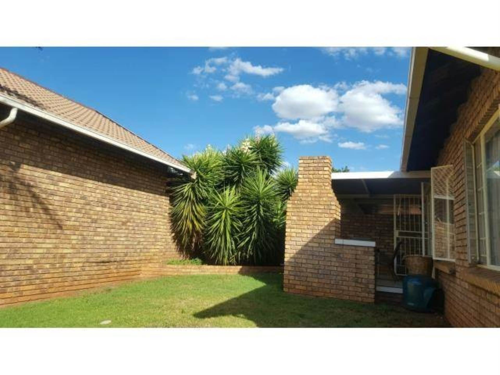 Highveld property for sale. Ref No: 13589374. Picture no 2