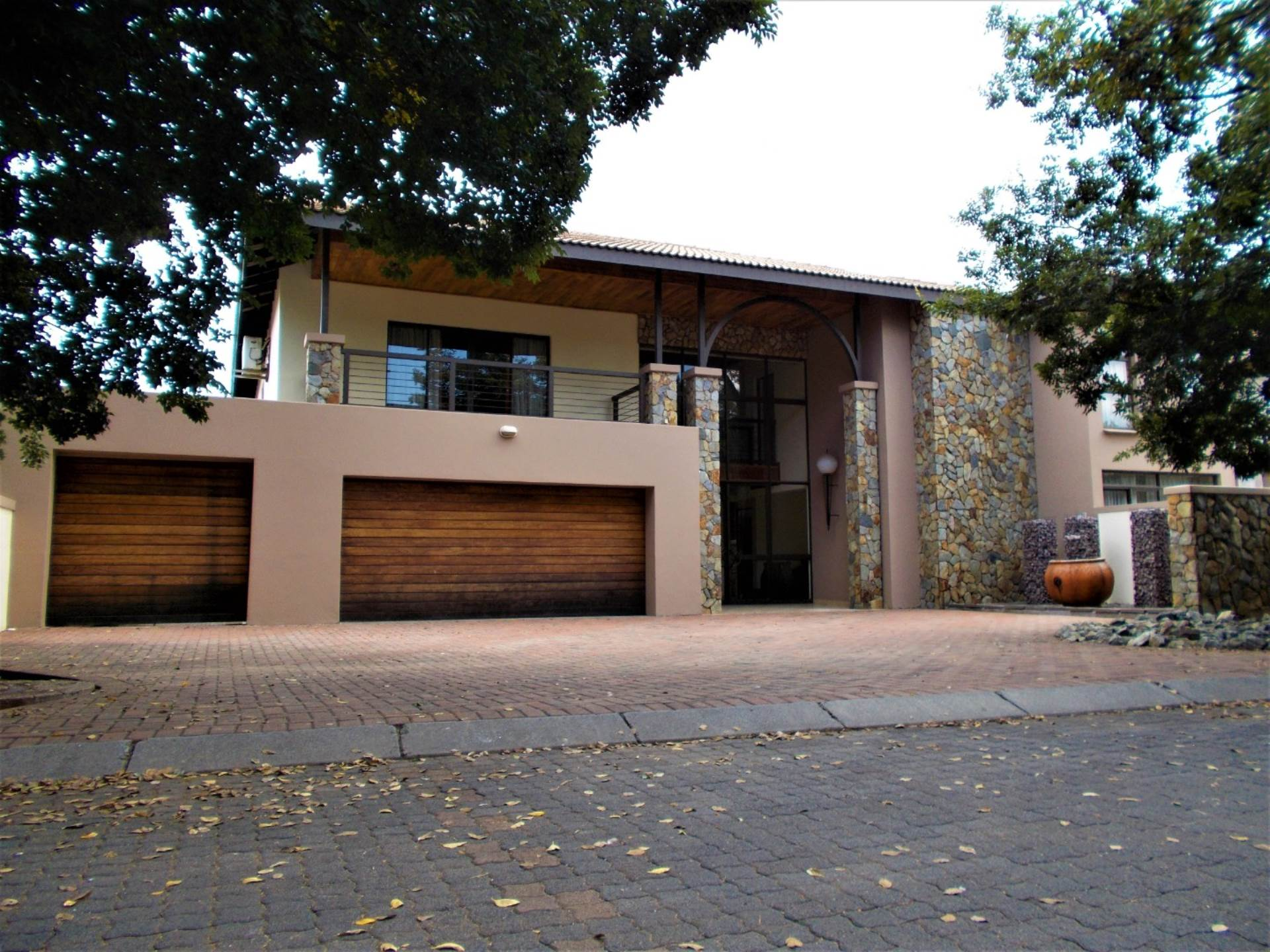 4 BedroomHouse For Sale In Sonneveld