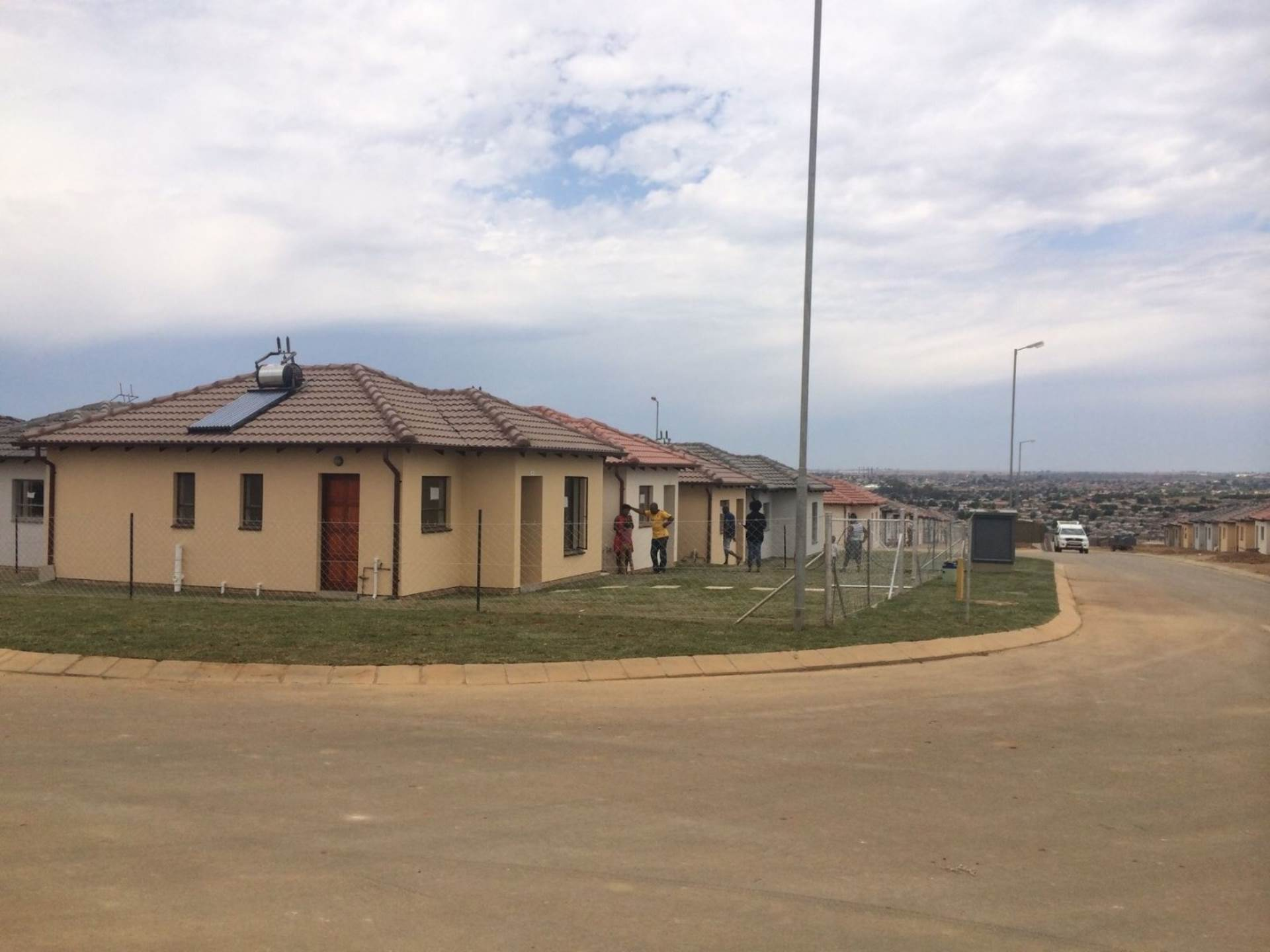 2 BedroomHouse For Sale In Clayville Ext 45