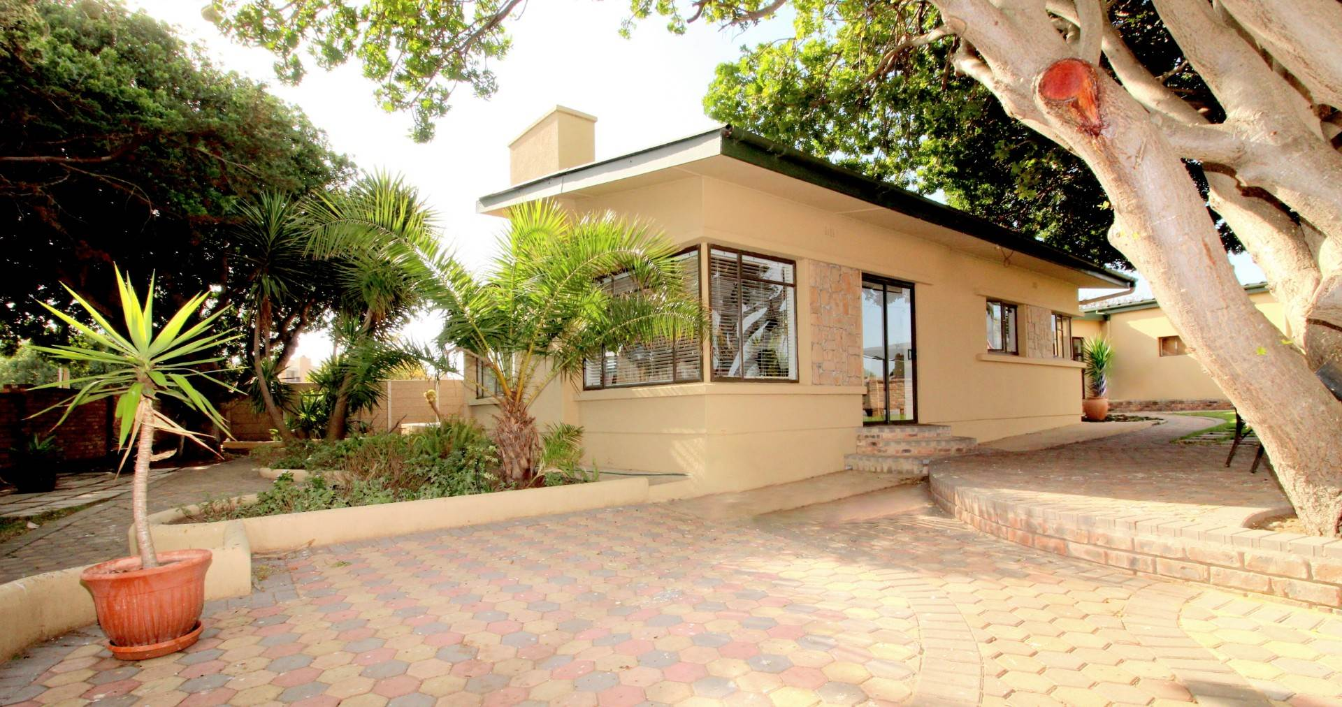 4 BedroomHouse For Sale In Hartenbos