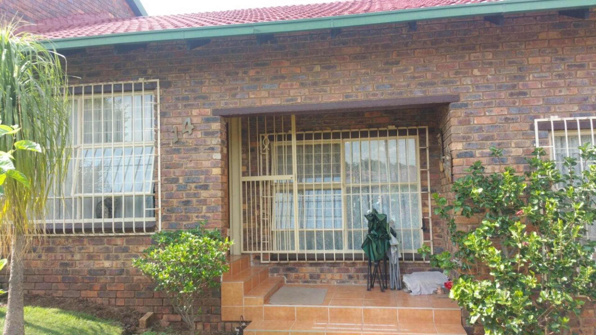 3 BedroomTownhouse For Sale In Quellerie Park